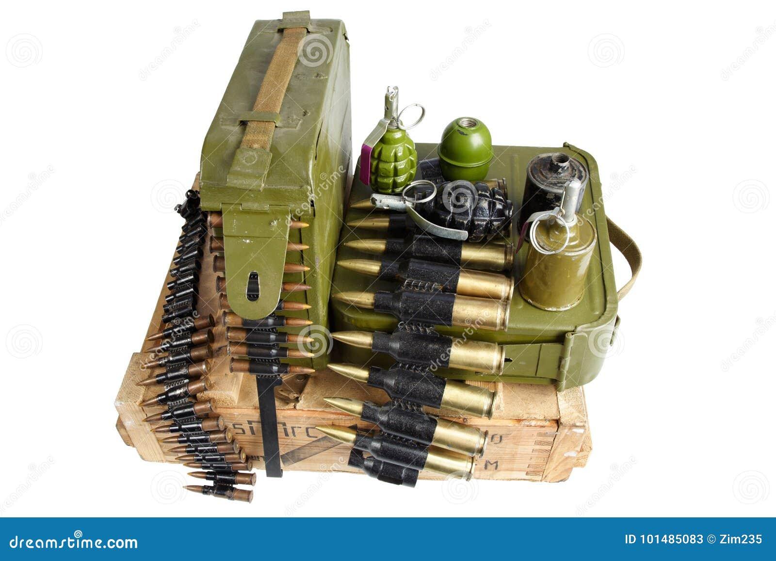 Caja del ejército de munición con la correa y las granadas de mano de la munición