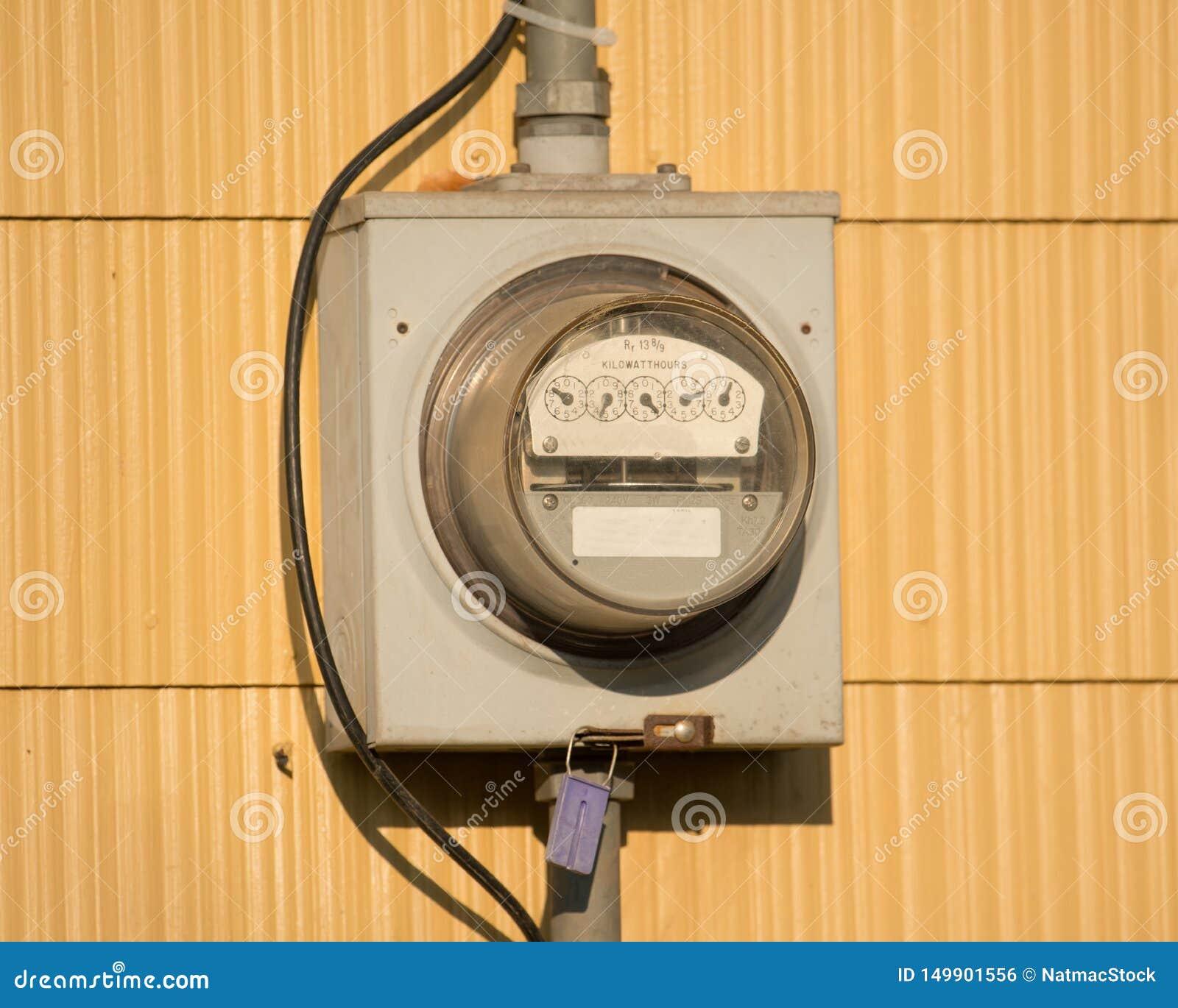 Caja eléctrica del metro en una casa