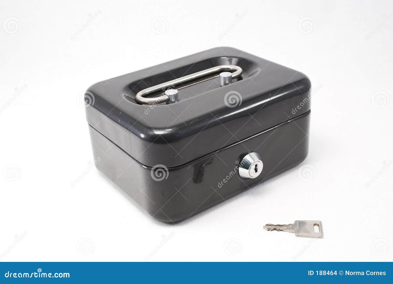 Caja fuerte y clave