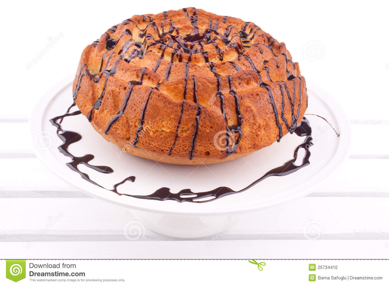 Cake with chocolate sauce