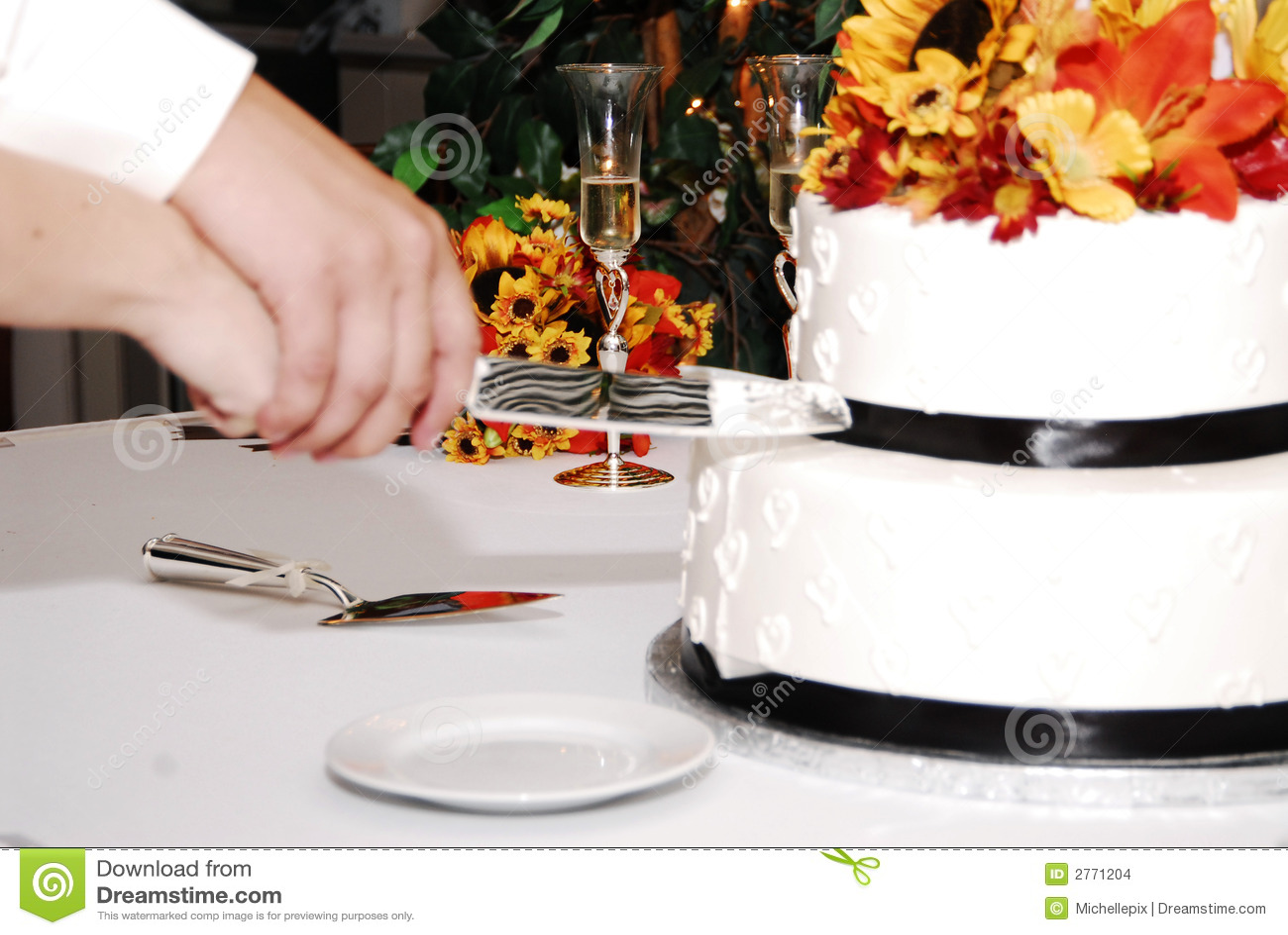 cake cutting stock images image 2771204. Black Bedroom Furniture Sets. Home Design Ideas