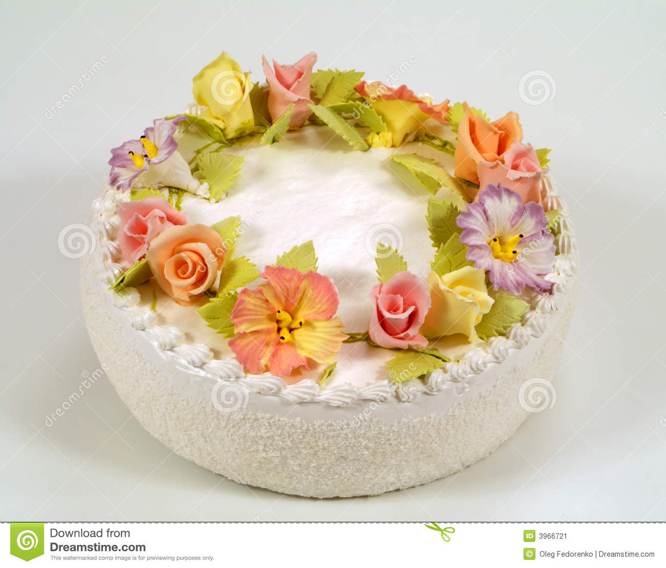 Cake Decorated With Flowers : Cake Decorated With Flowers Stock Image - Image: 3966721