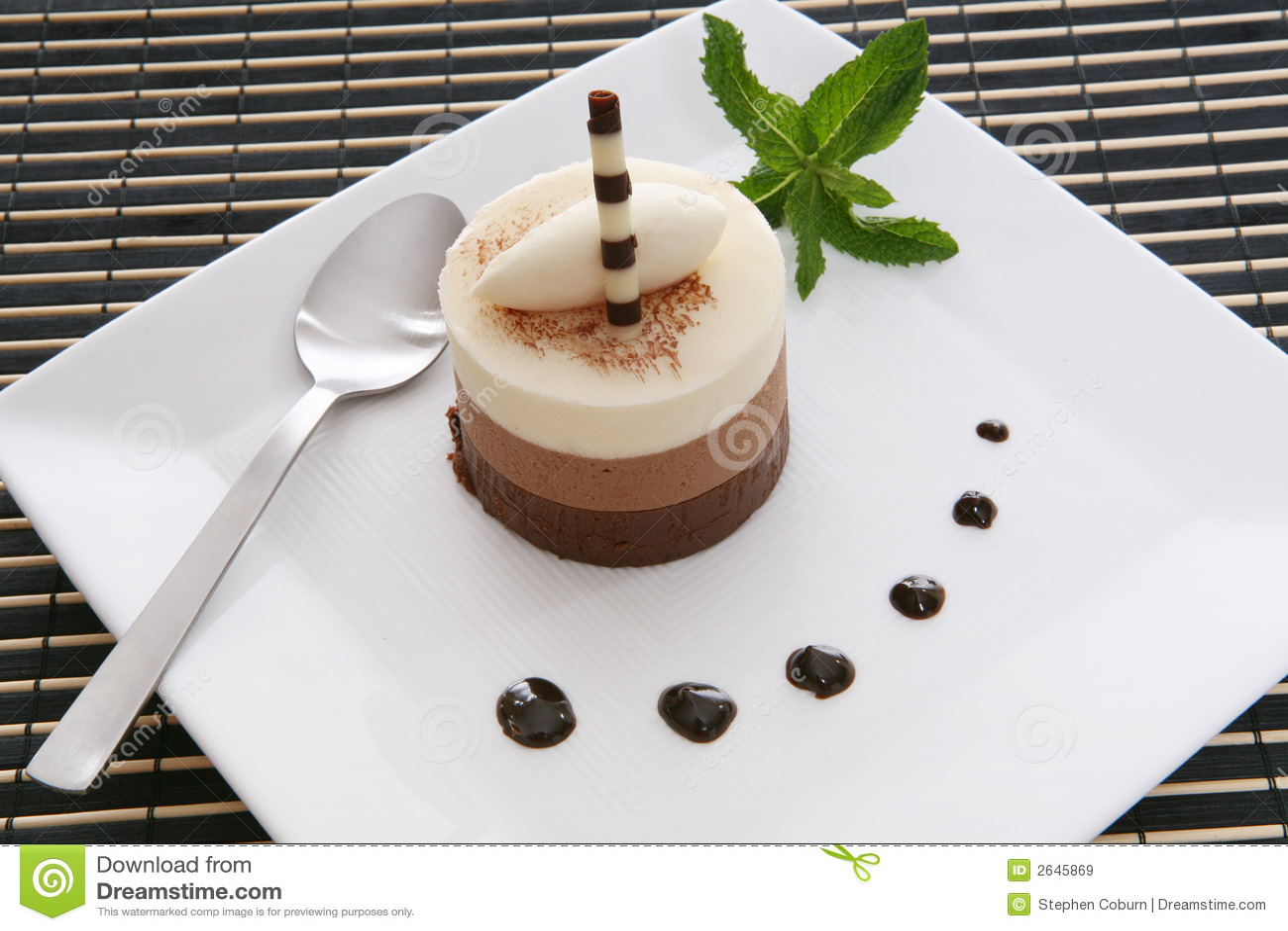 Cake Dessert Royalty Free Stock Images - Image: 2645869