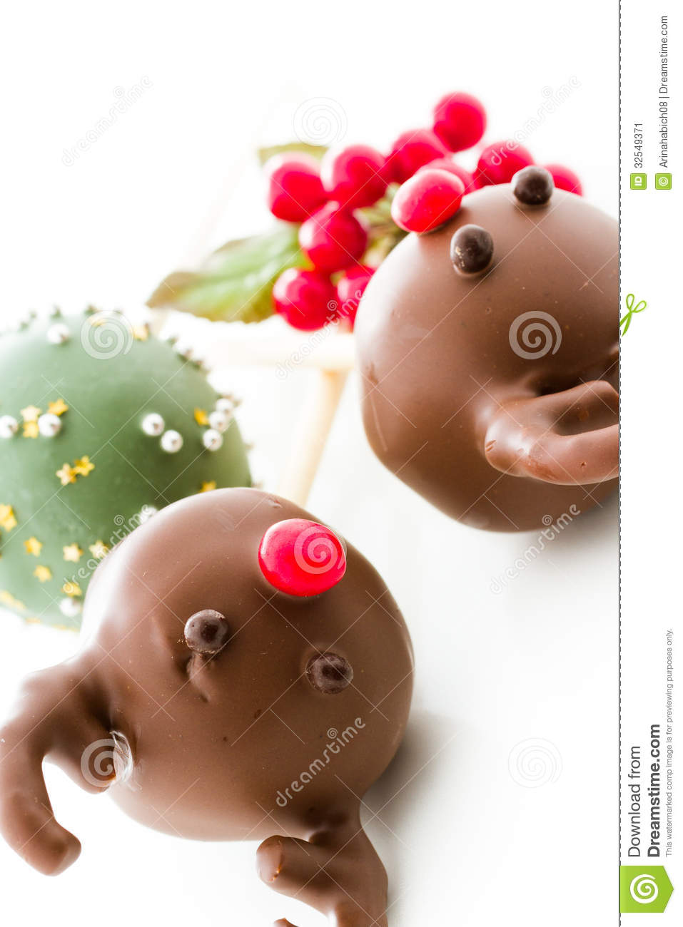 Cake Balls Decorated For Christmas : Cake Pops Stock Image - Image: 32549371