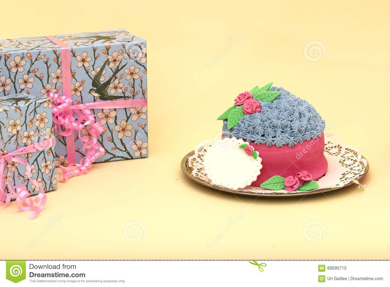 Smashed Cake Clipart : Cake Smash Shoot: Oh Dear! Baby Girl And Big Messy Royalty ...