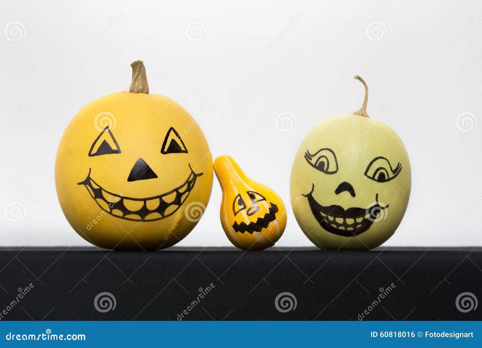 Calabazas de halloween con las caras pintadas foto de archivo imagen 60818016 - Calabazas de halloween pintadas ...