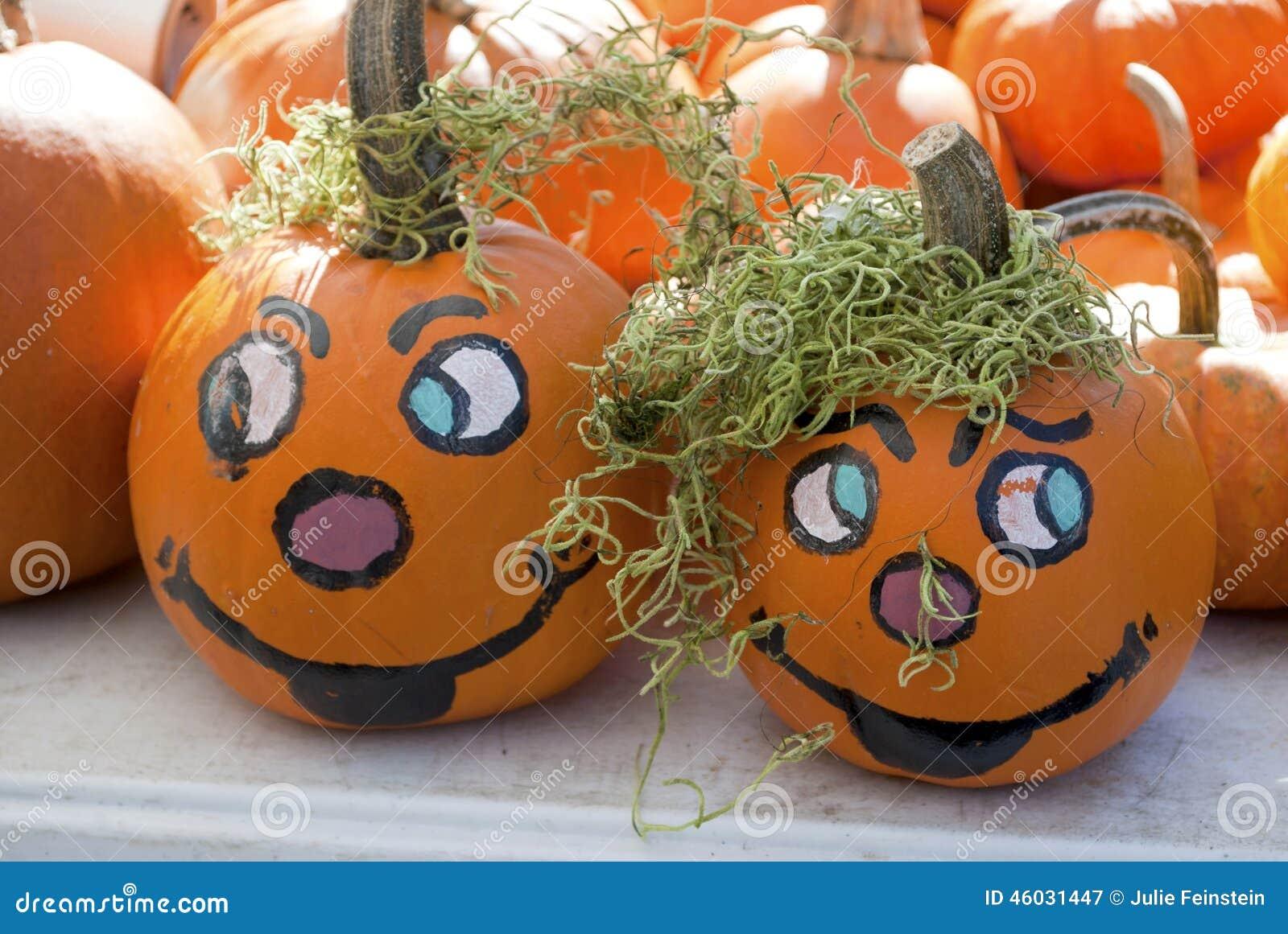 Calabazas pintadas imagen de archivo imagen de caras 46031447 - Calabazas de halloween pintadas ...