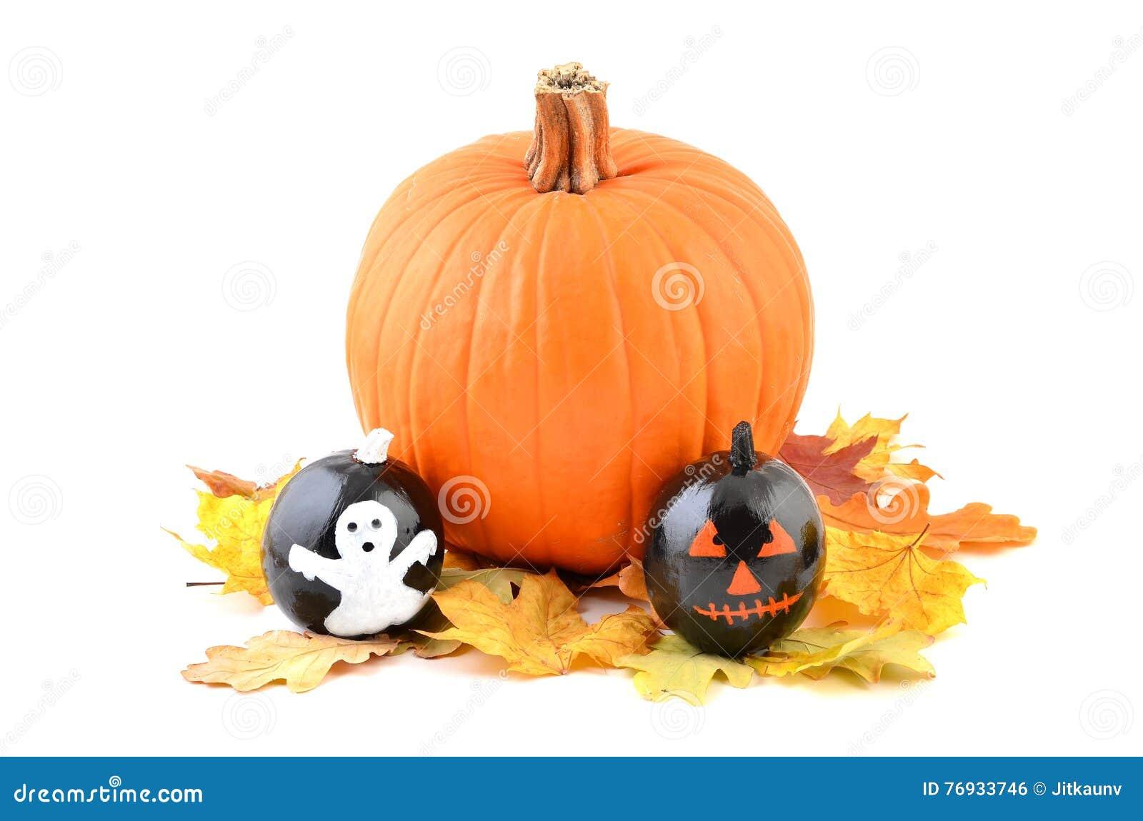 Calabazas pintadas de halloween foto de archivo imagen 76933746 - Calabazas de halloween pintadas ...