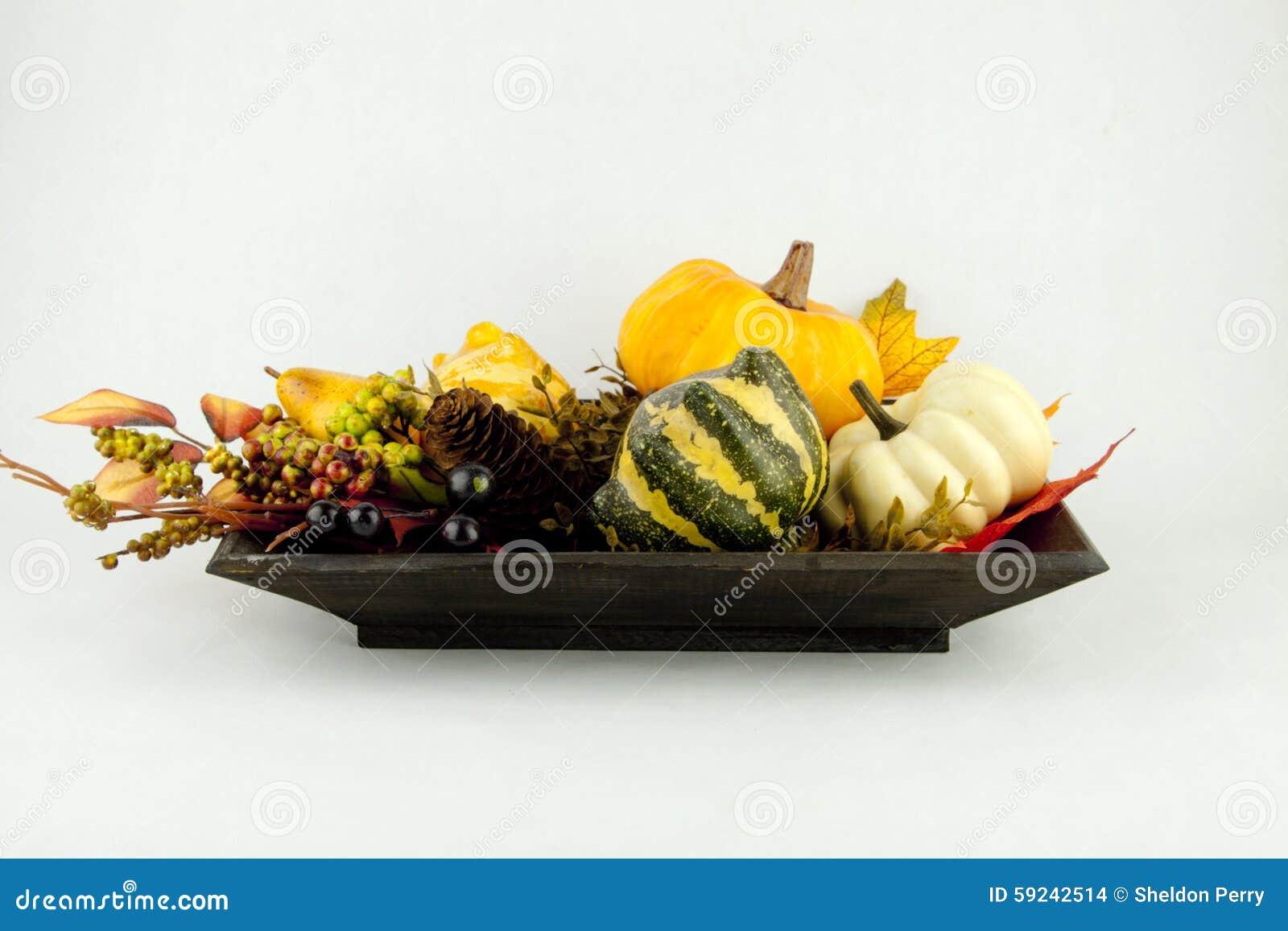 Download Calabazas y hojas de otoño foto de archivo. Imagen de bayas - 59242514