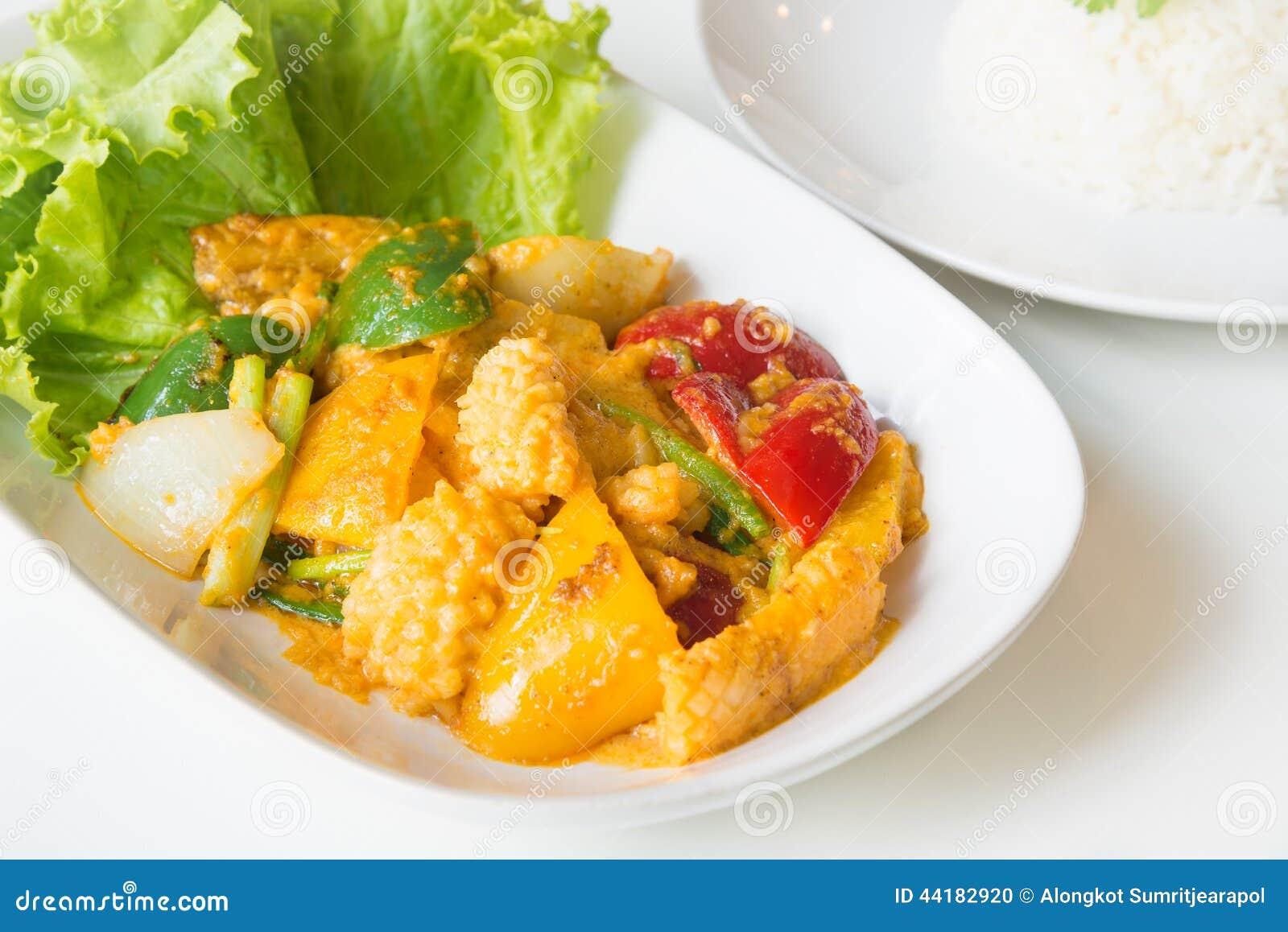 Calamar fritado Stir com yolk de ovo salgado