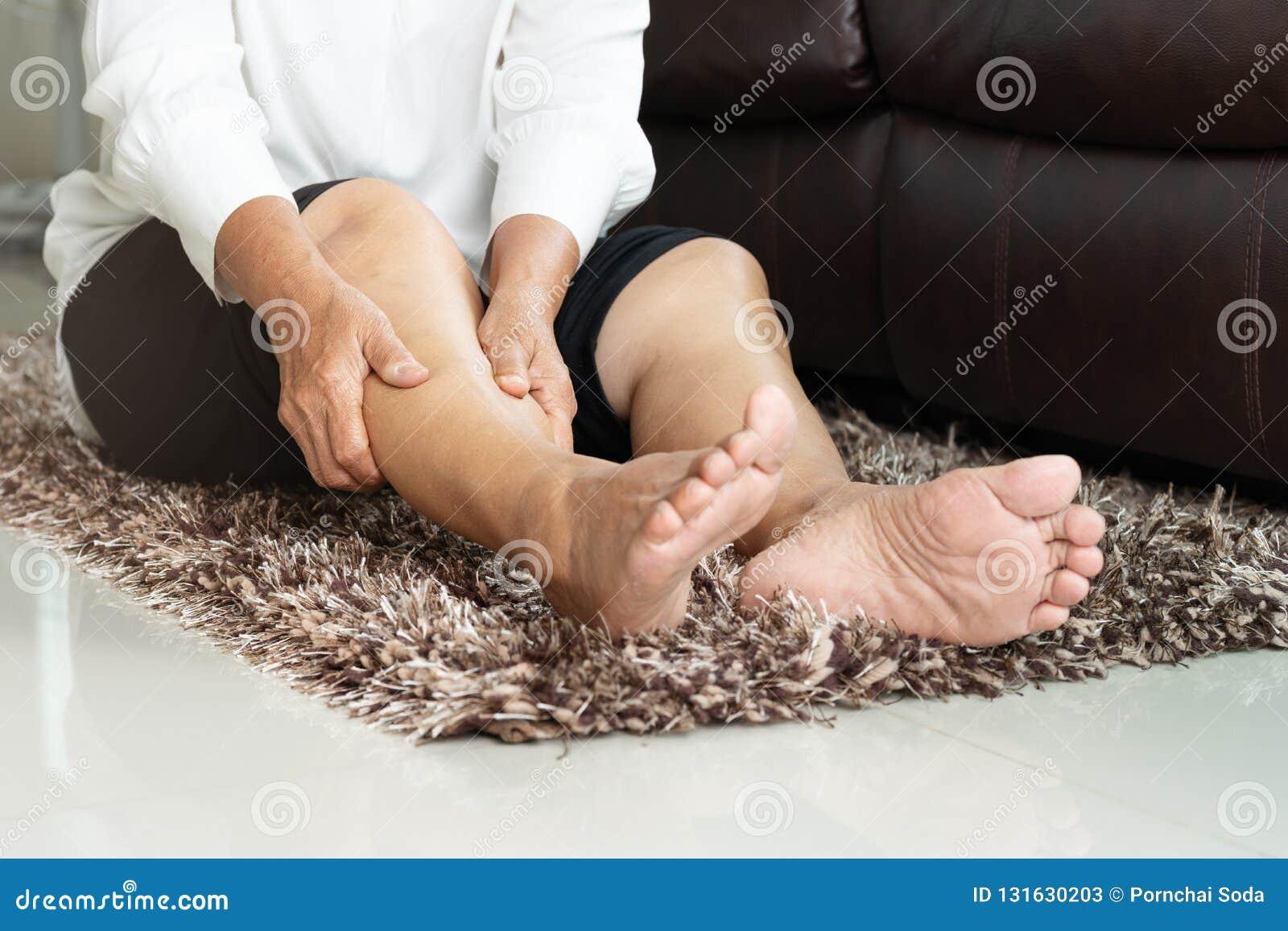 De huesos piernas las los calambre en