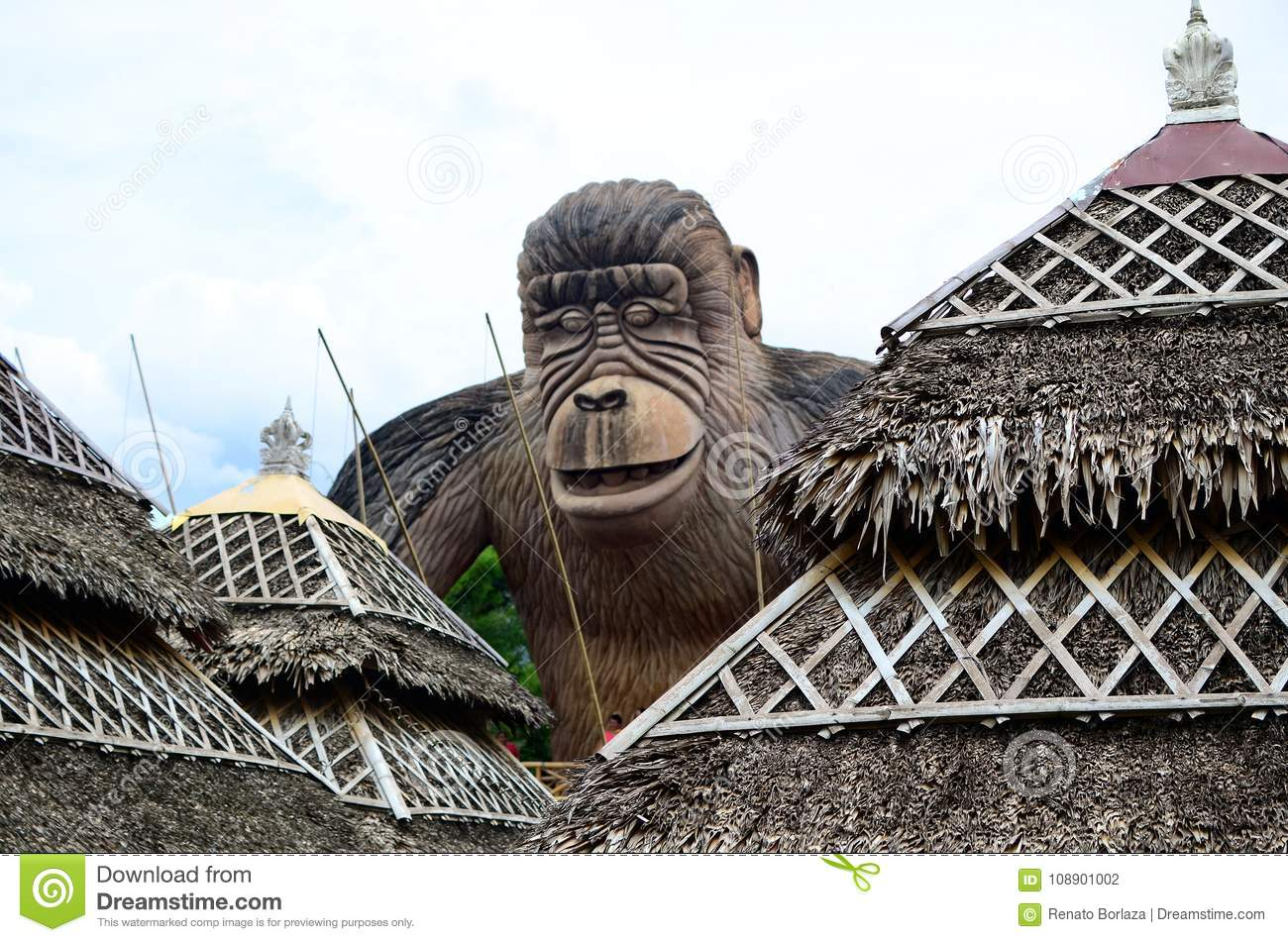 Huge concrete carved King kong monkey statue