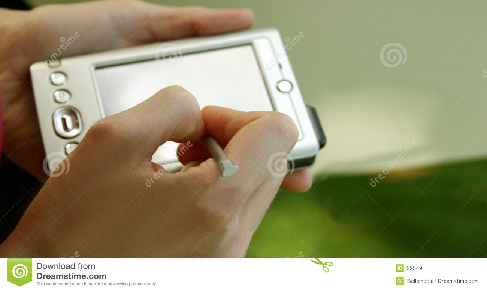 Calcolatore e mani