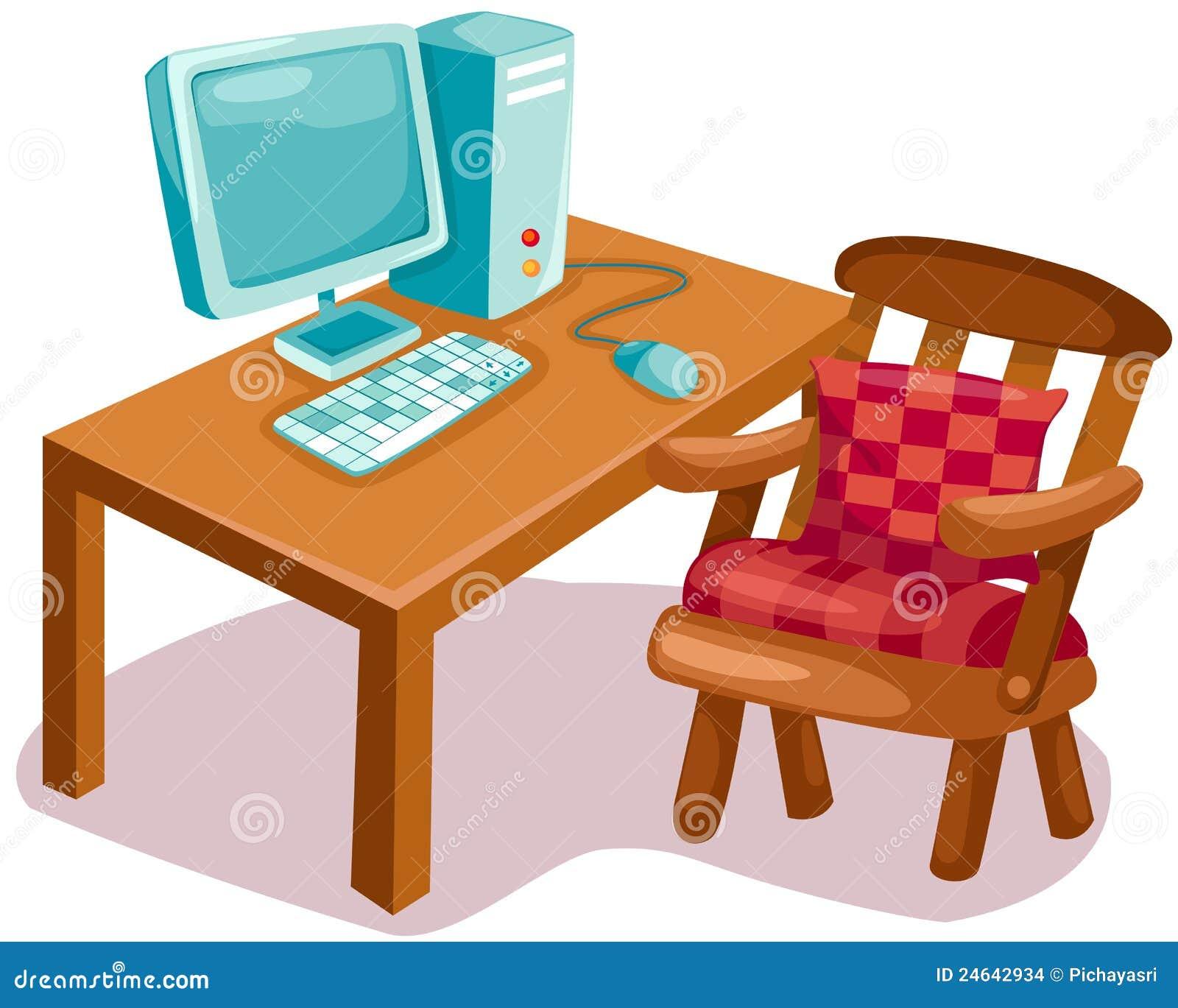 Calcolatore sullo scrittorio di legno