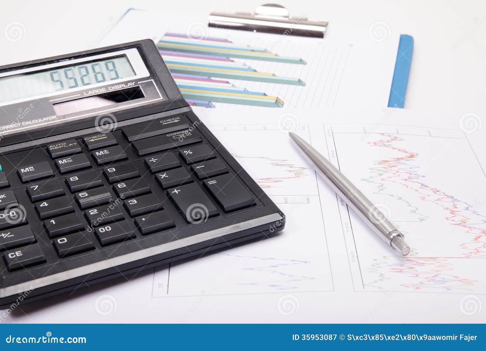 Calculadora con la pluma en gráfico