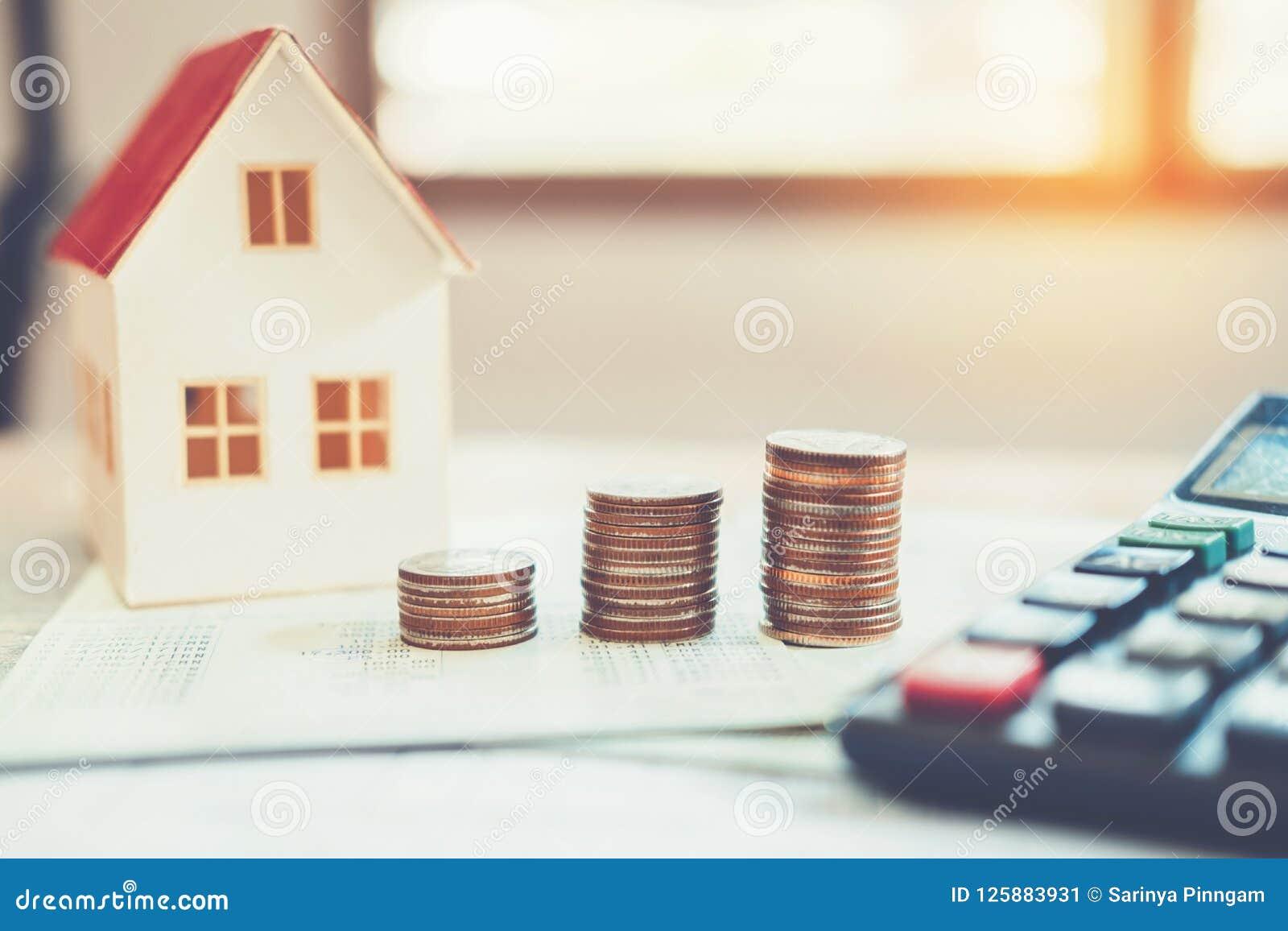 Calculatrice de concept d argent d économie coûtée pour la maison