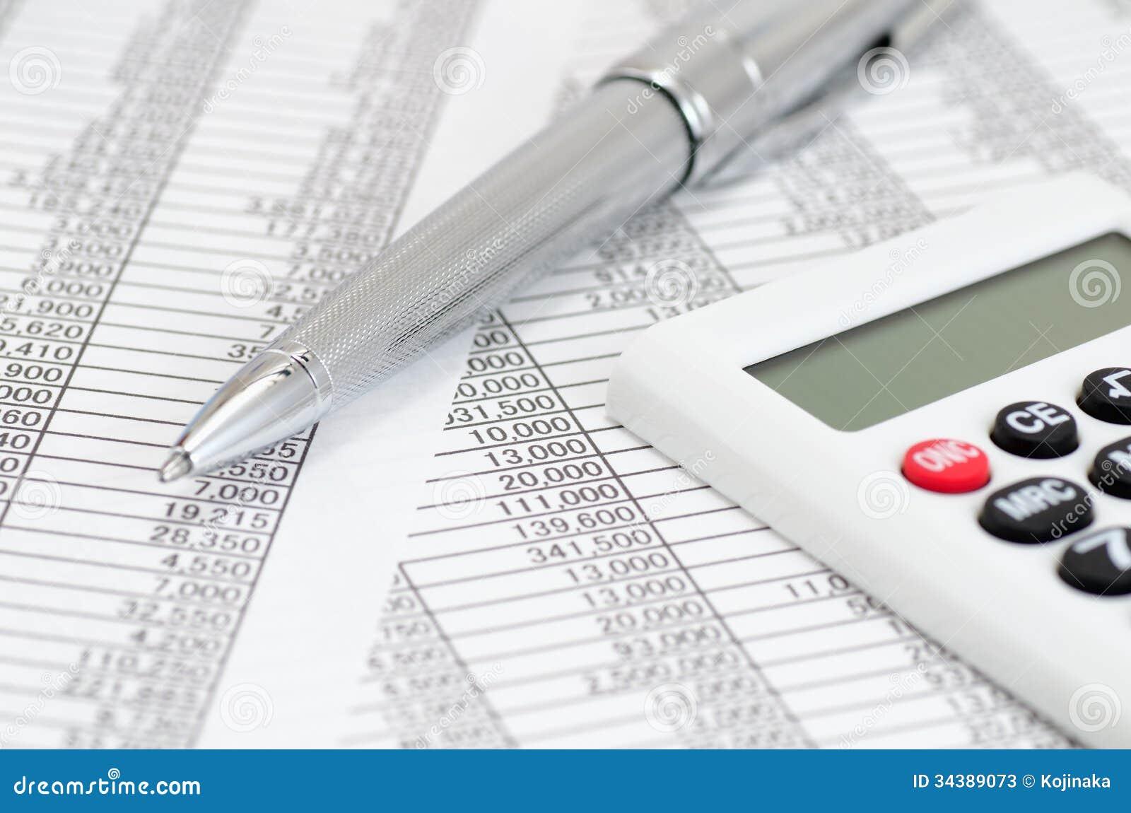 calculatrice et pointe et documents comptables photos With images documents comptables
