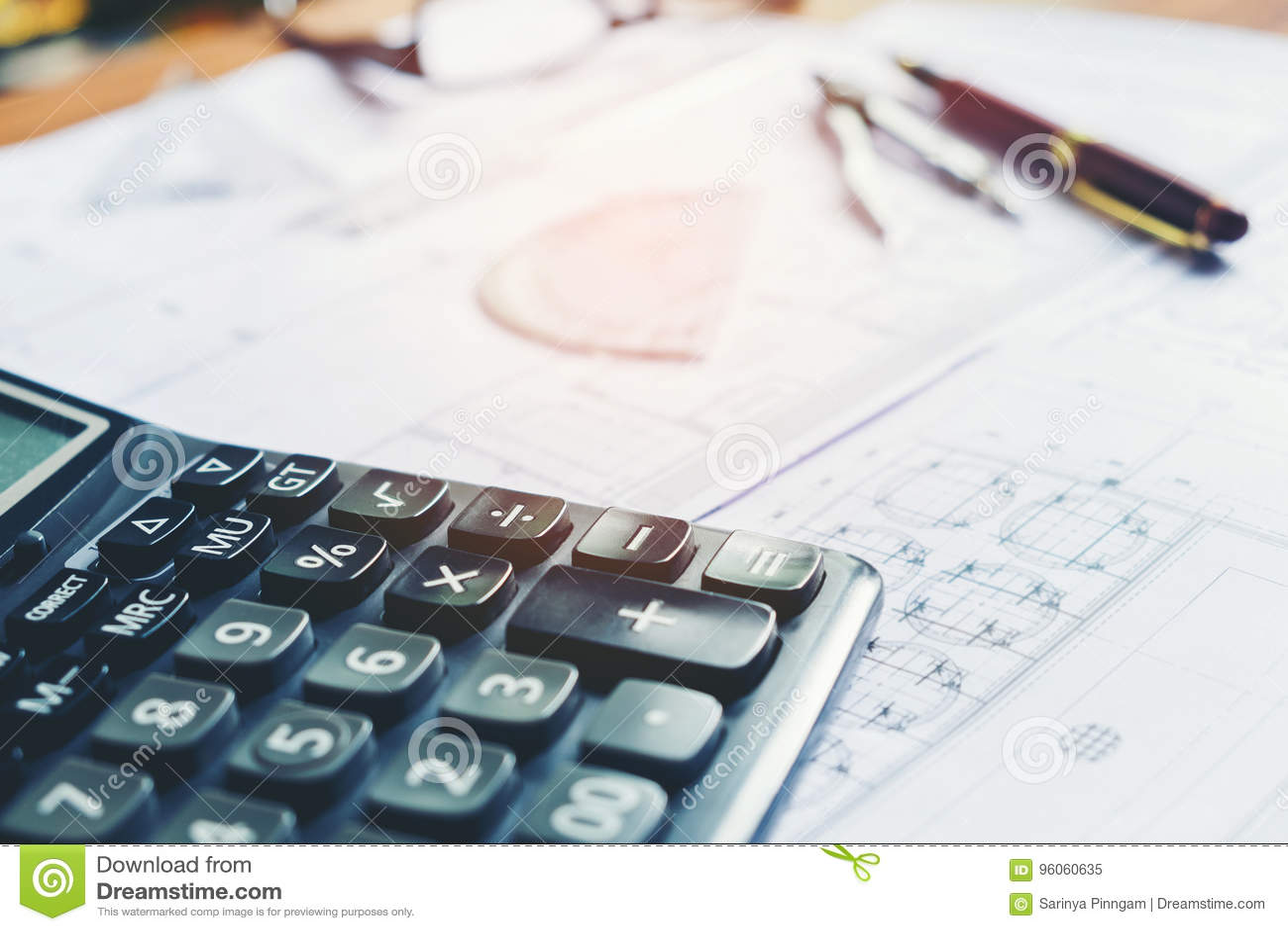 Calcule e blueprint em casa o escritório