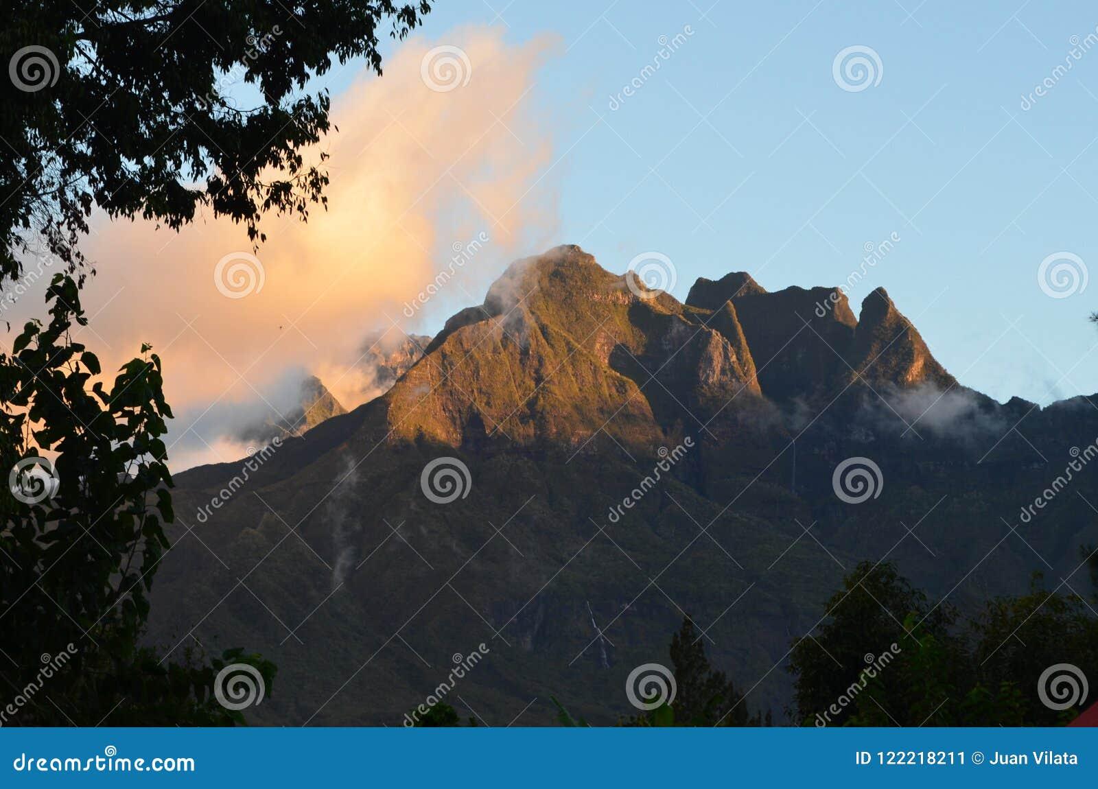 Caldeira volcanique de Mafate en île de Réunion