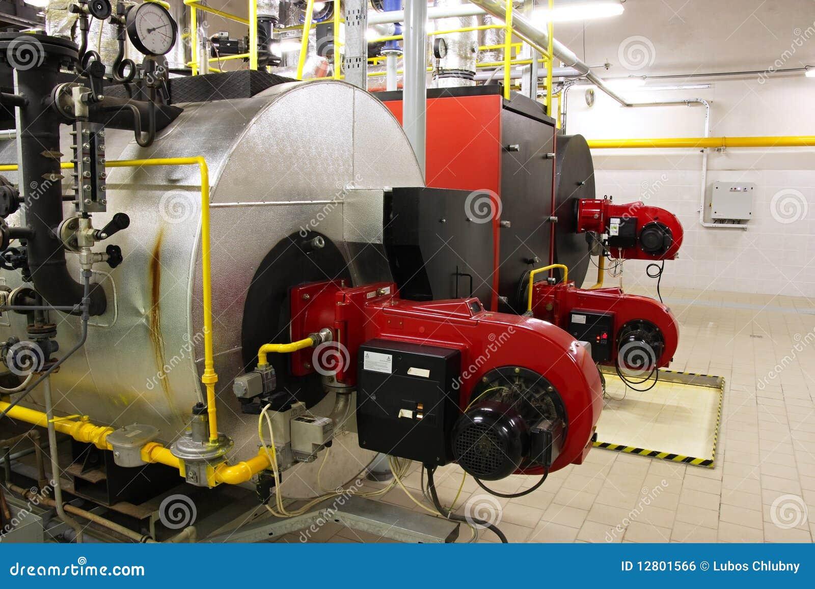 Caldeiras de gás no quarto de caldeira do gás
