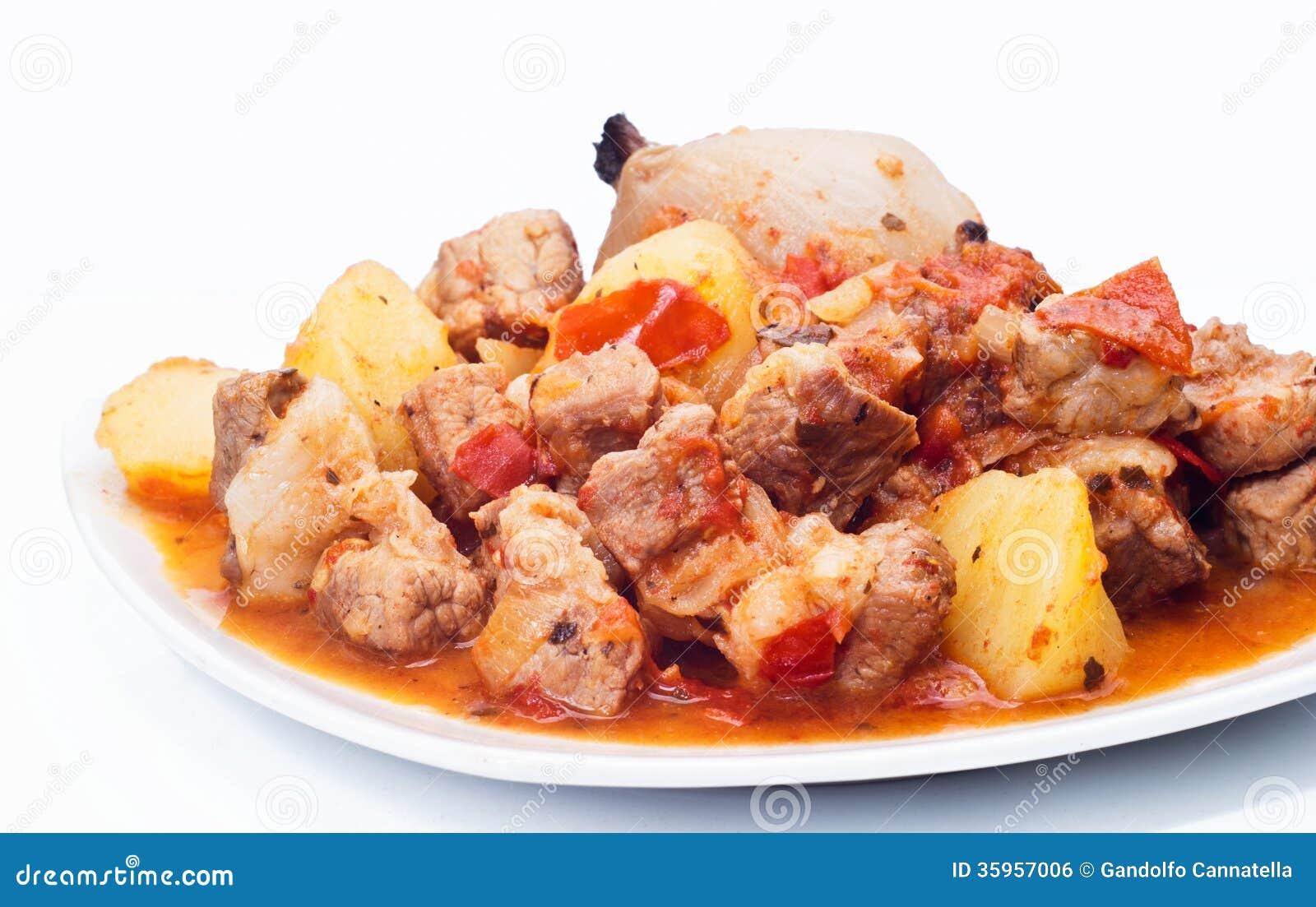 Caldo de buey, patatas y cebolla