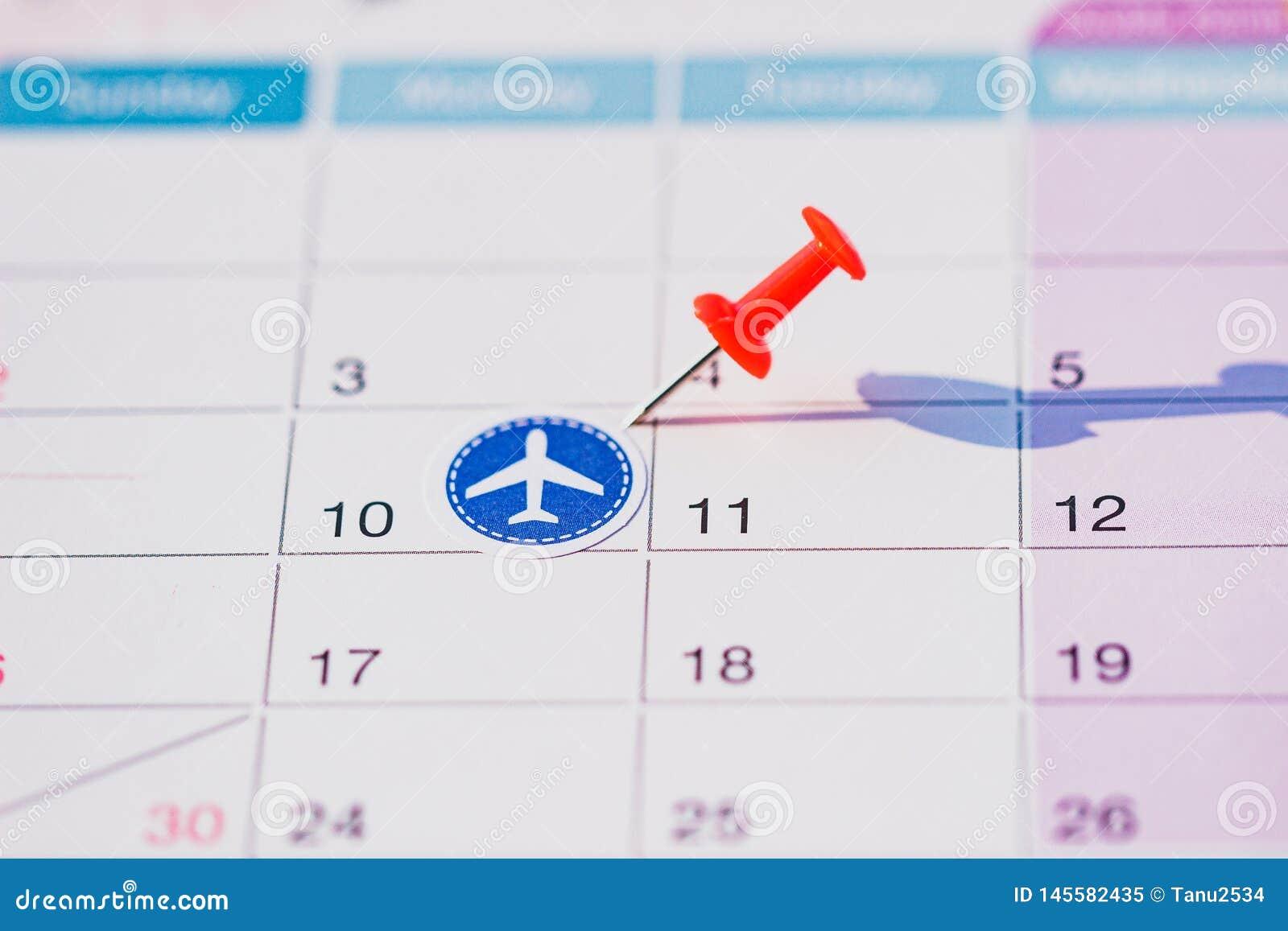 Calendario con el perno del empuje y las etiquetas engomadas planas