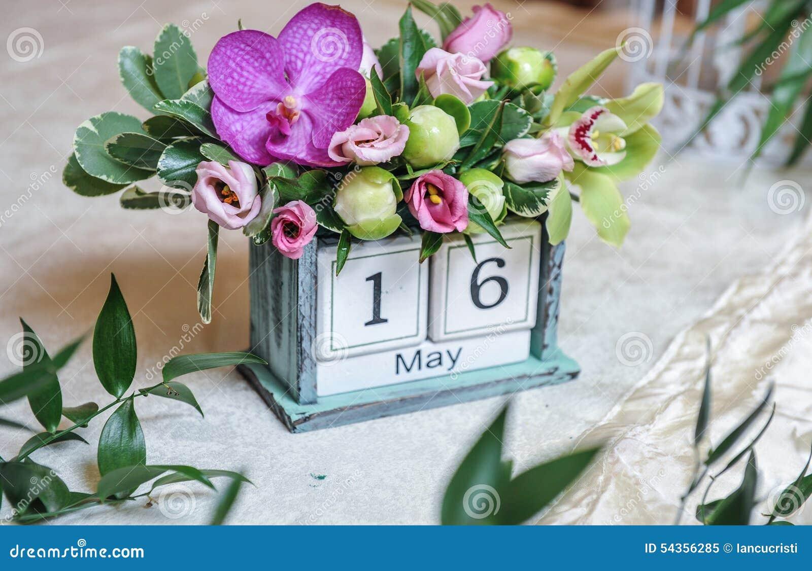 Calendario de escritorio del vintage adornado con las - Decoracion con fotos ...