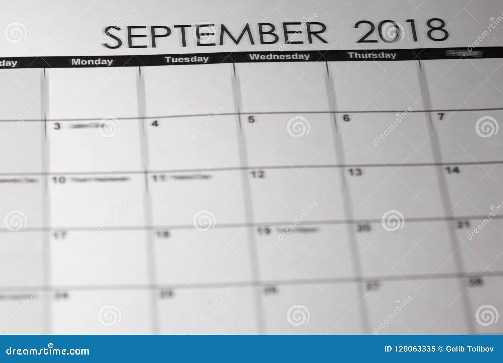 Calendario De Agosto Y Septiembre 2019.Calendario Simple De Septiembre De 2019 La Semana Empieza De