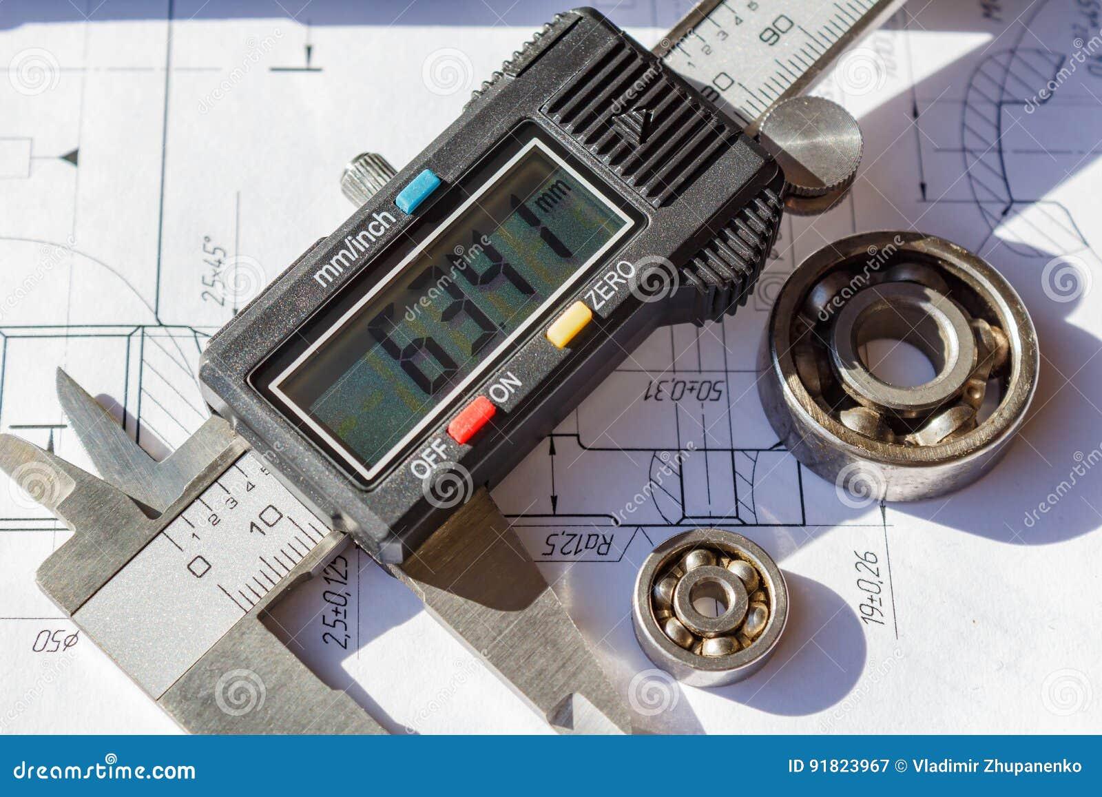 Calibre électronique et plan rapproché utilisé de roulements à billes