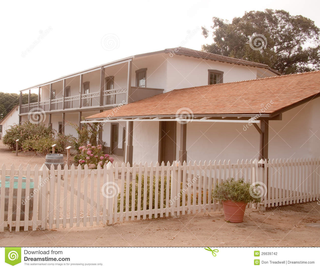 California Adobe Home Stock Photography Image 26639742