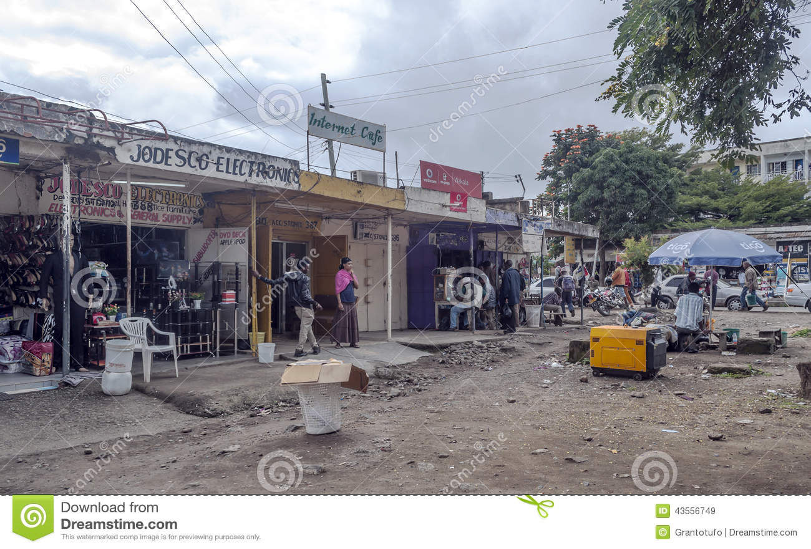 Calle de las compras en Arusha
