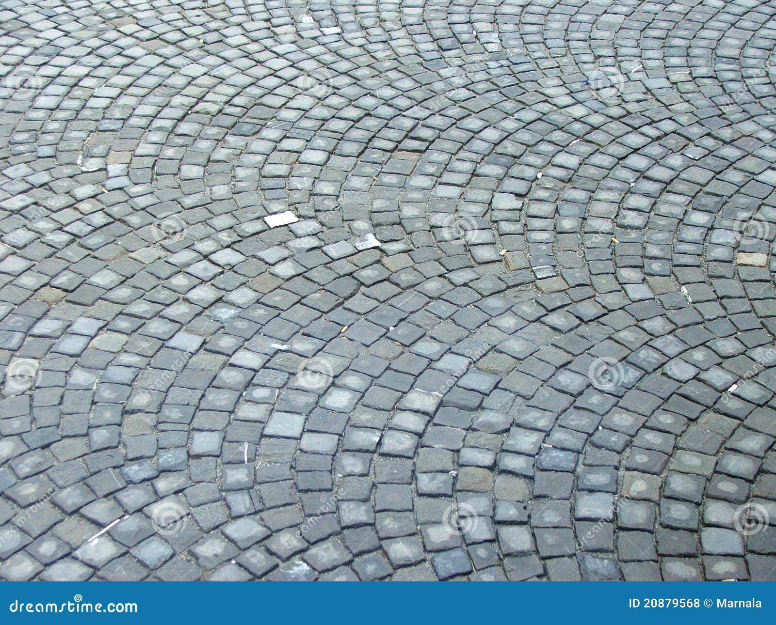 Calle de piedra del adoqu n fotos de archivo libres de - Adoquin de piedra ...