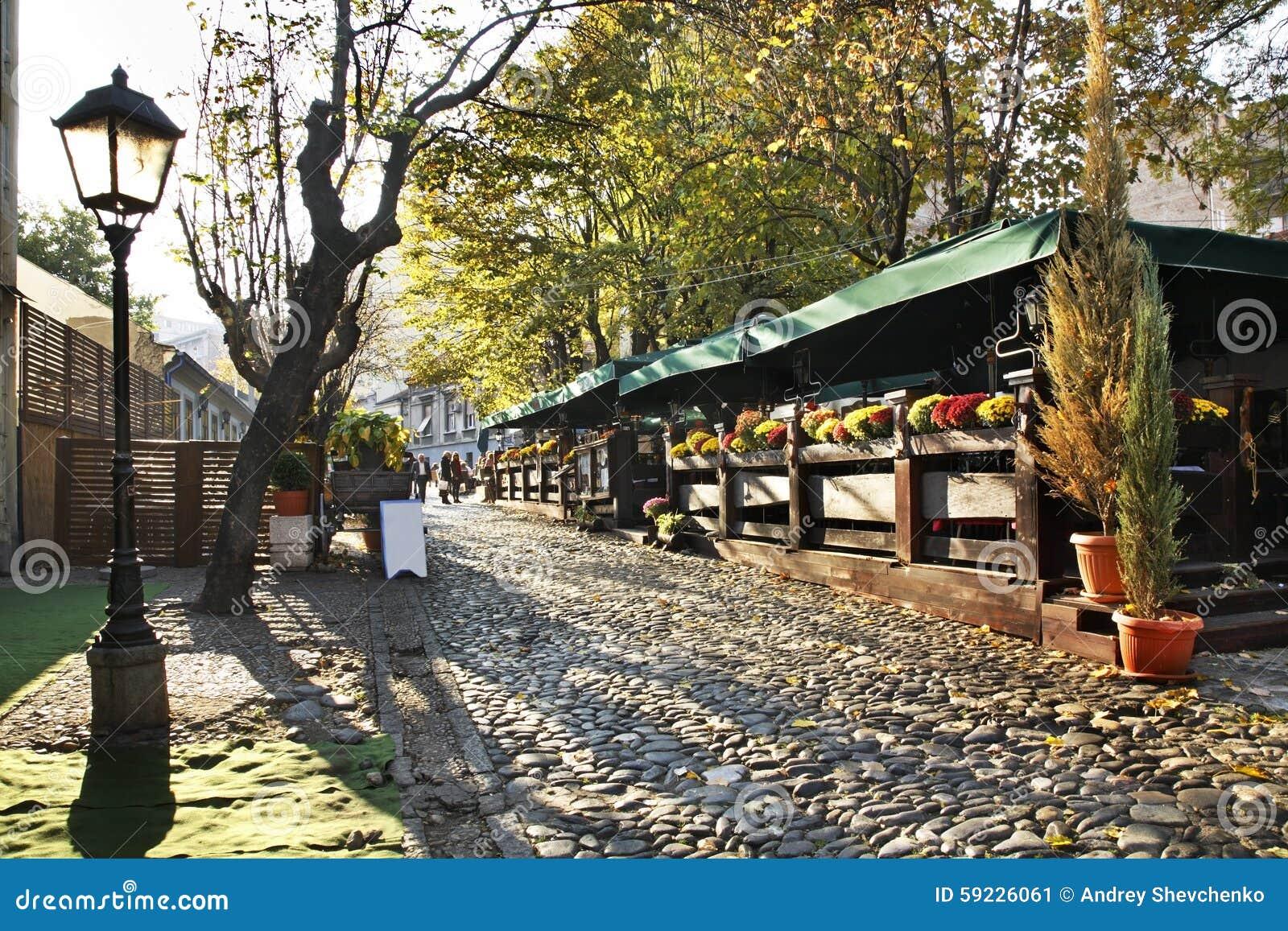 Download Calle De Skadarlija En Belgrado Serbia Imagen de archivo - Imagen de piedra, flores: 59226061