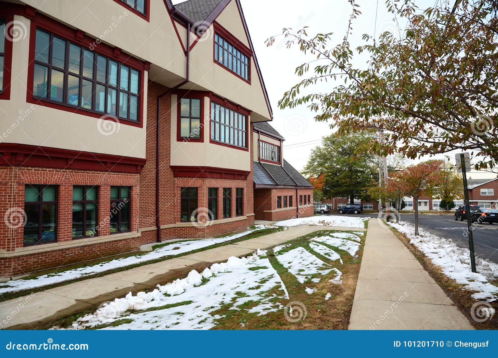 Calle de Yale Campus en invierno