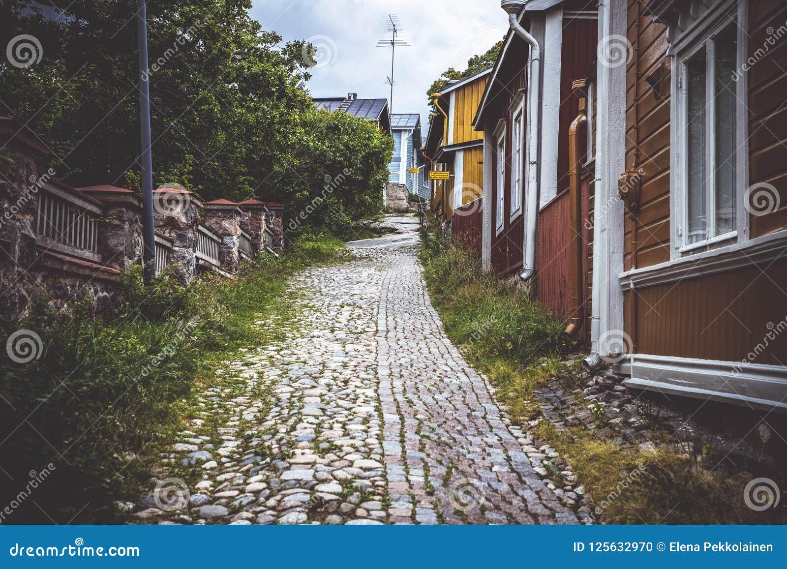 Calle en la ciudad vieja de Porvoo