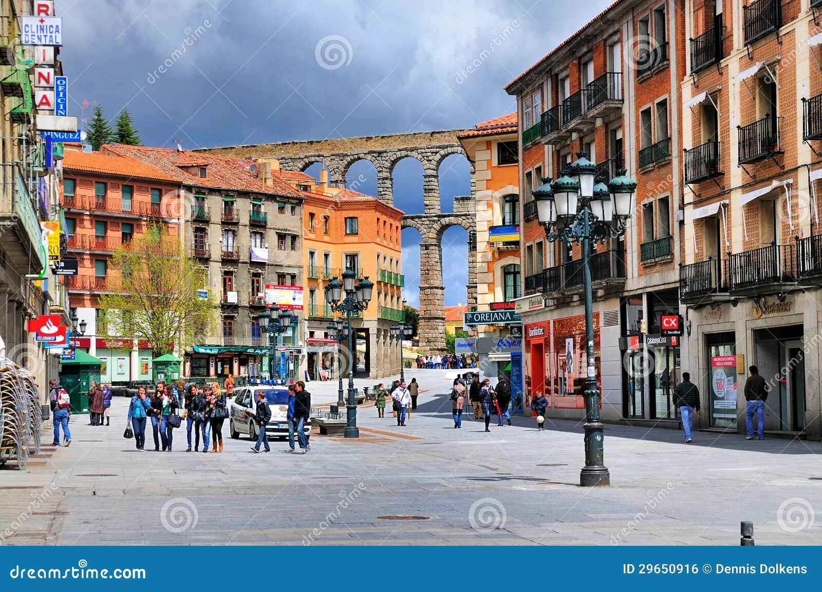 Calle en Segovia, España