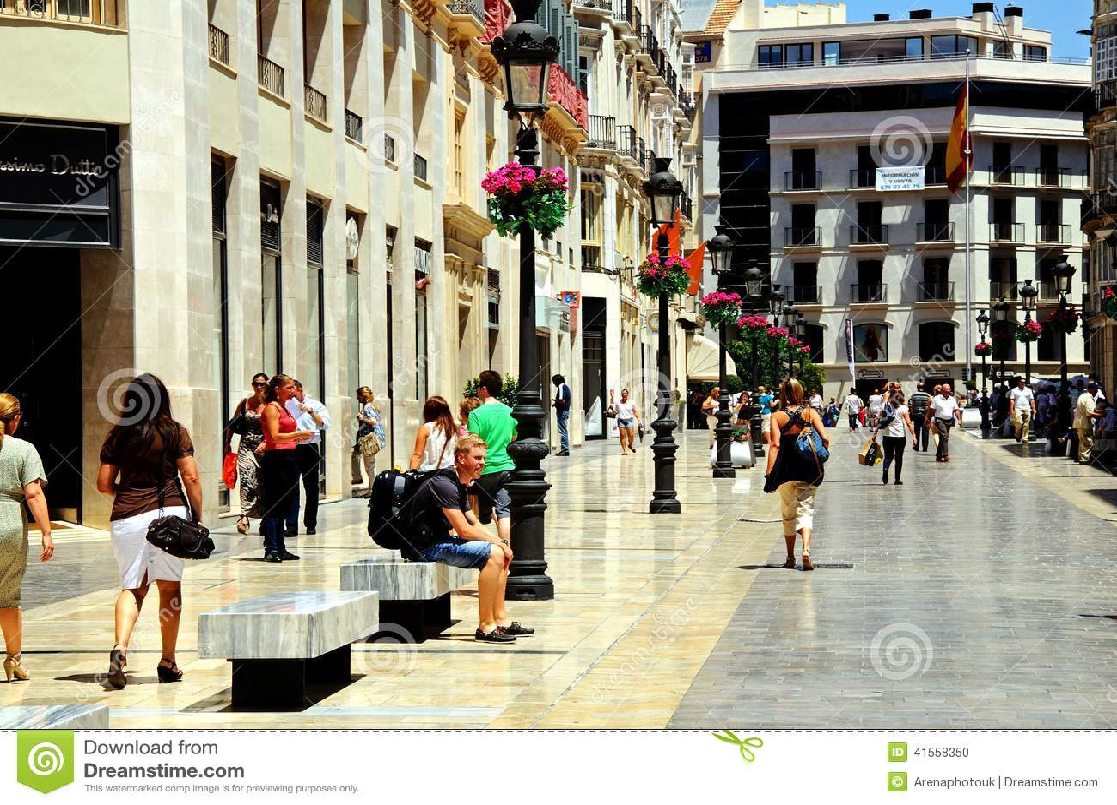 Calle larios malaga spain editorial image image 41558350 for Calle palma del rio malaga