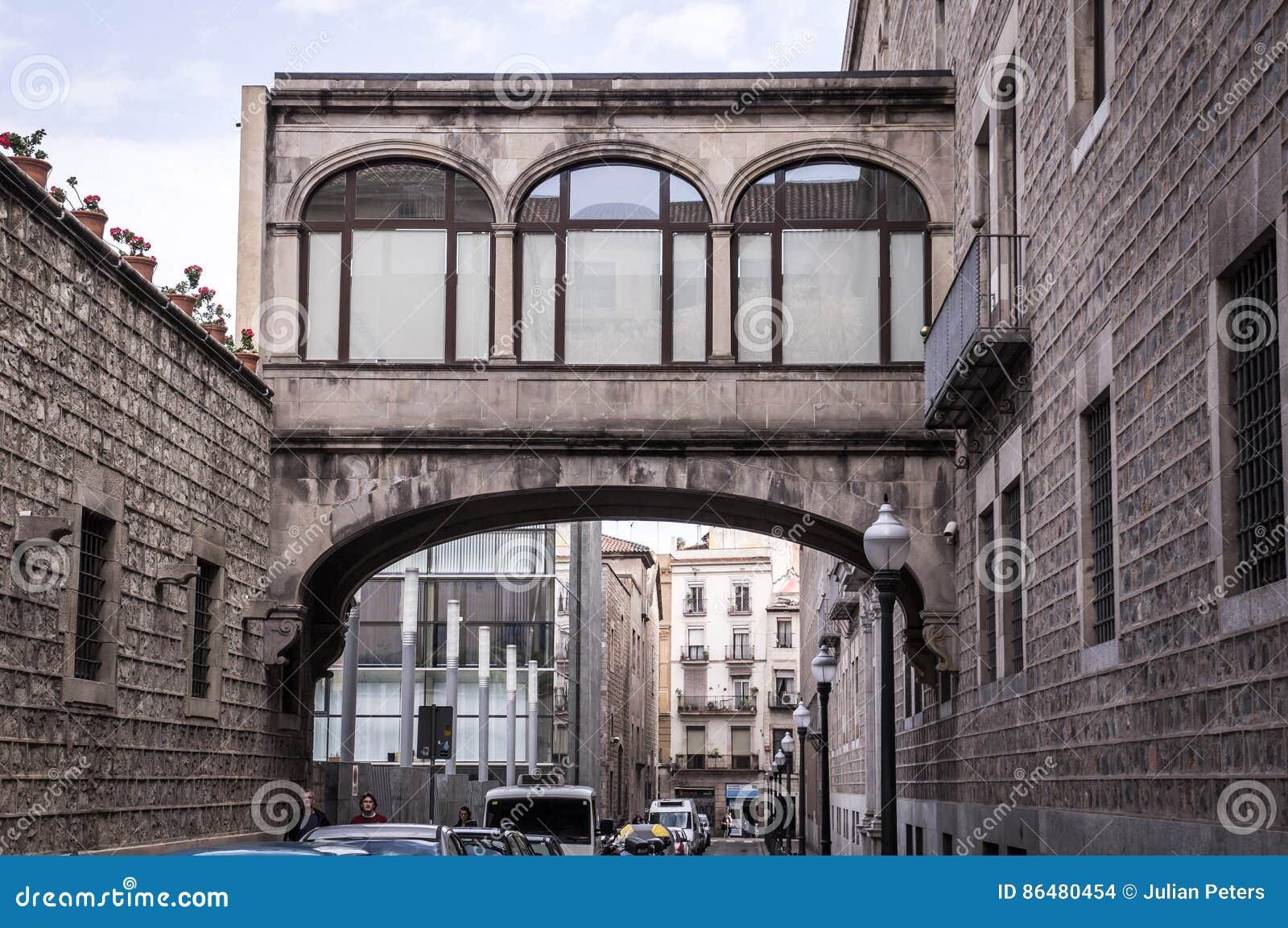 calle y edificios antiguos en el centro hist rico de