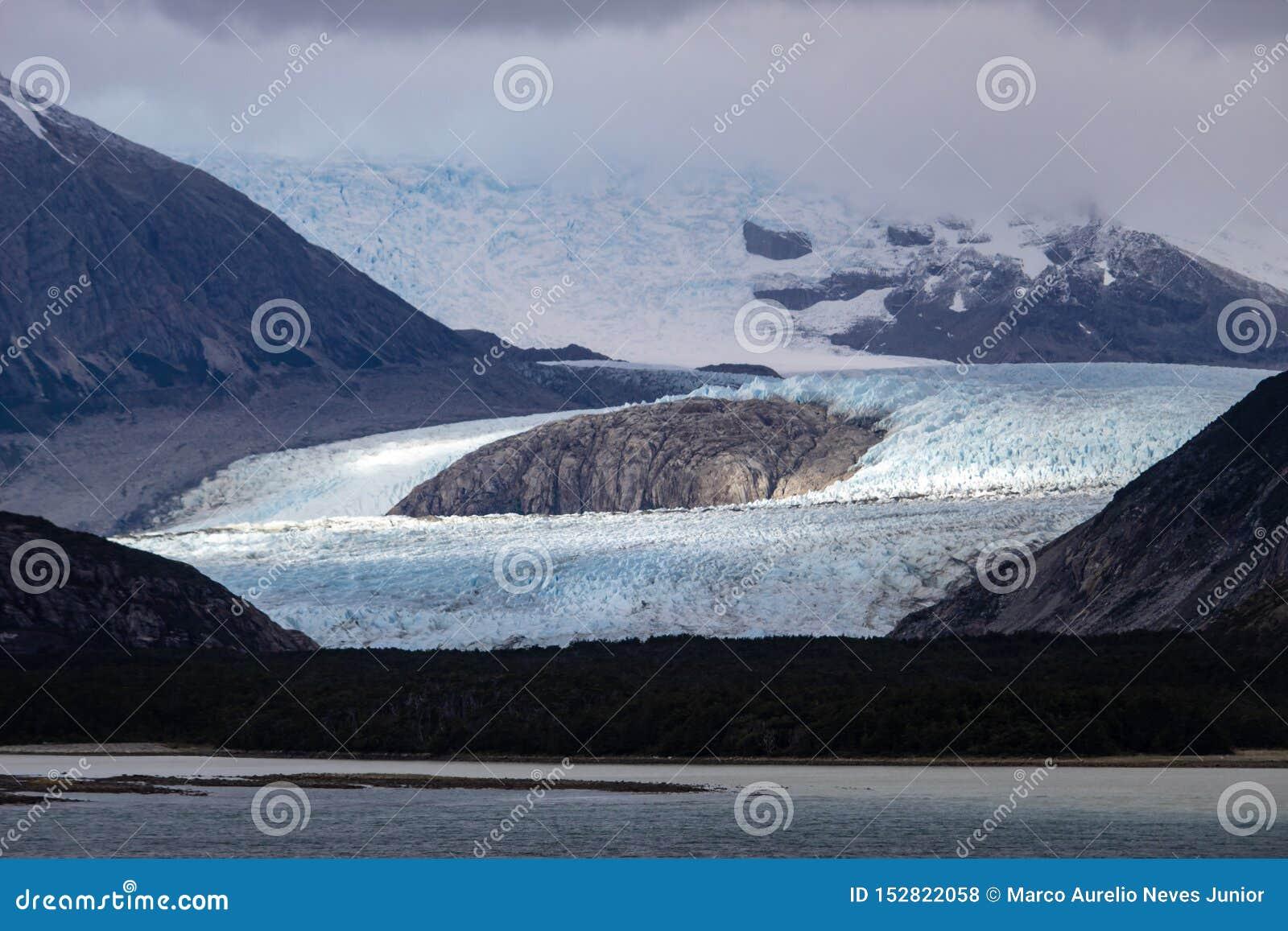 Callejón del glaciar - el canal del beagle - Patagonia la Argentina de Ushuaia