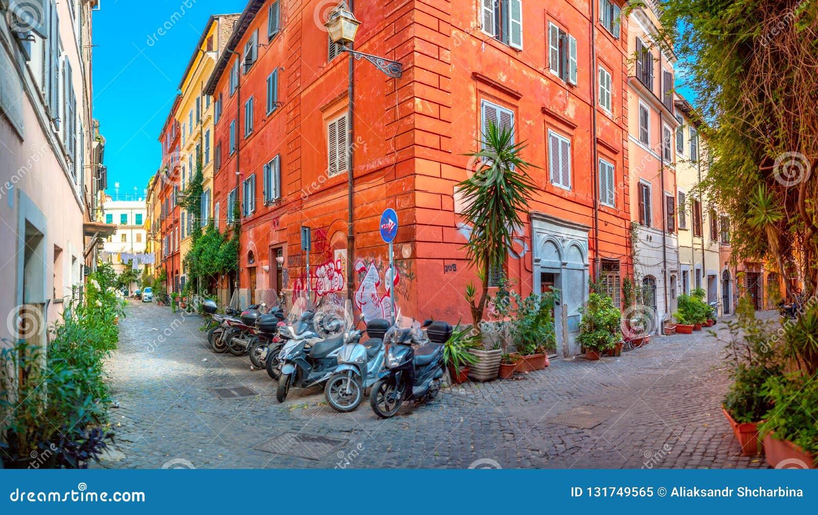 Calles viejas en la parte histórica de Roma