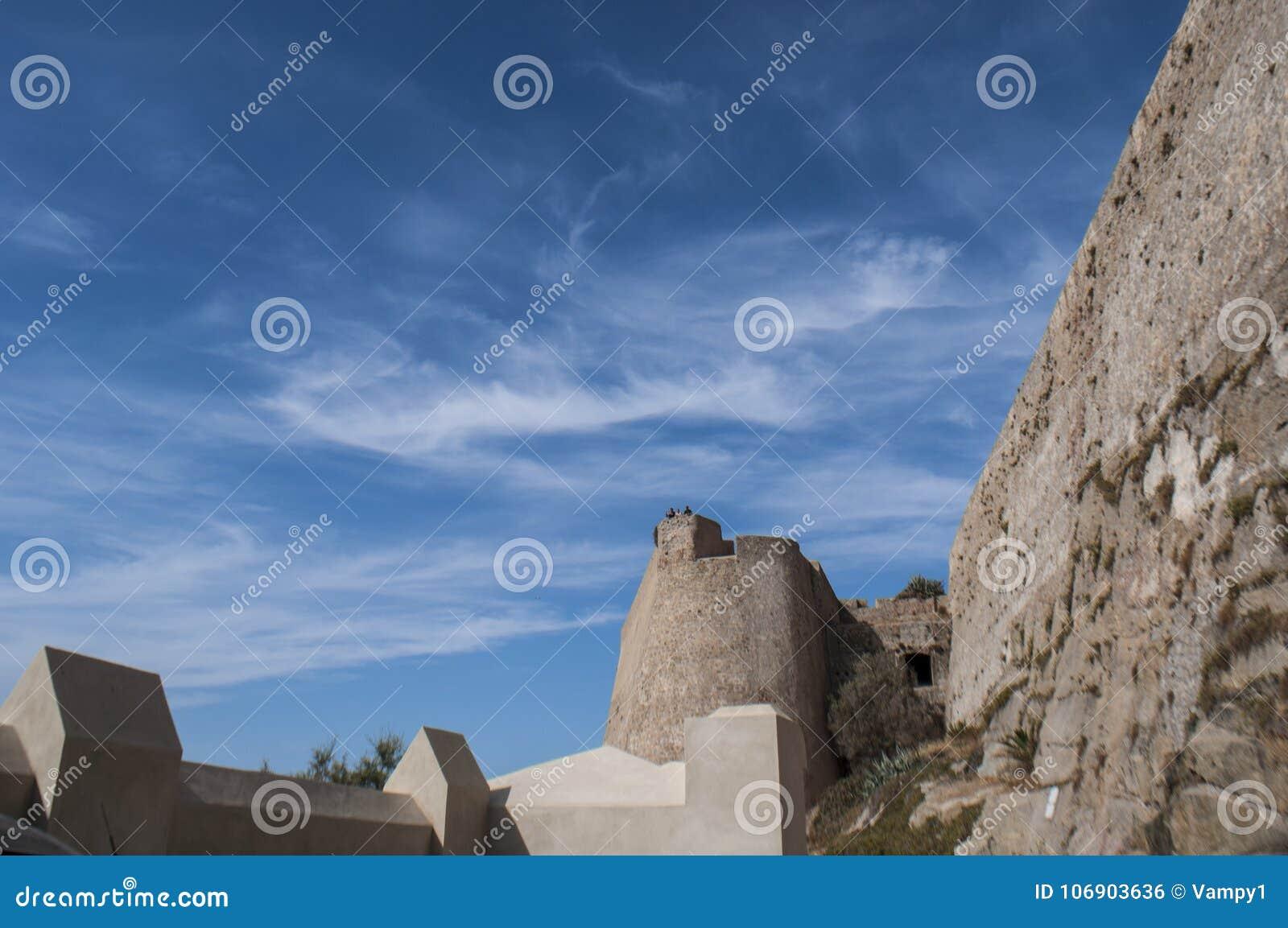 Calvi, cytadela, antyczne ściany, linia horyzontu, Corsica, Corse, Francja, Europa, wyspa