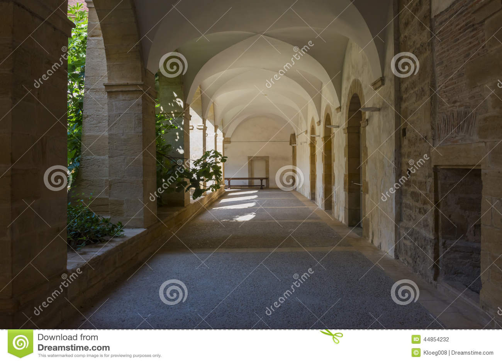 Calzada en basílica