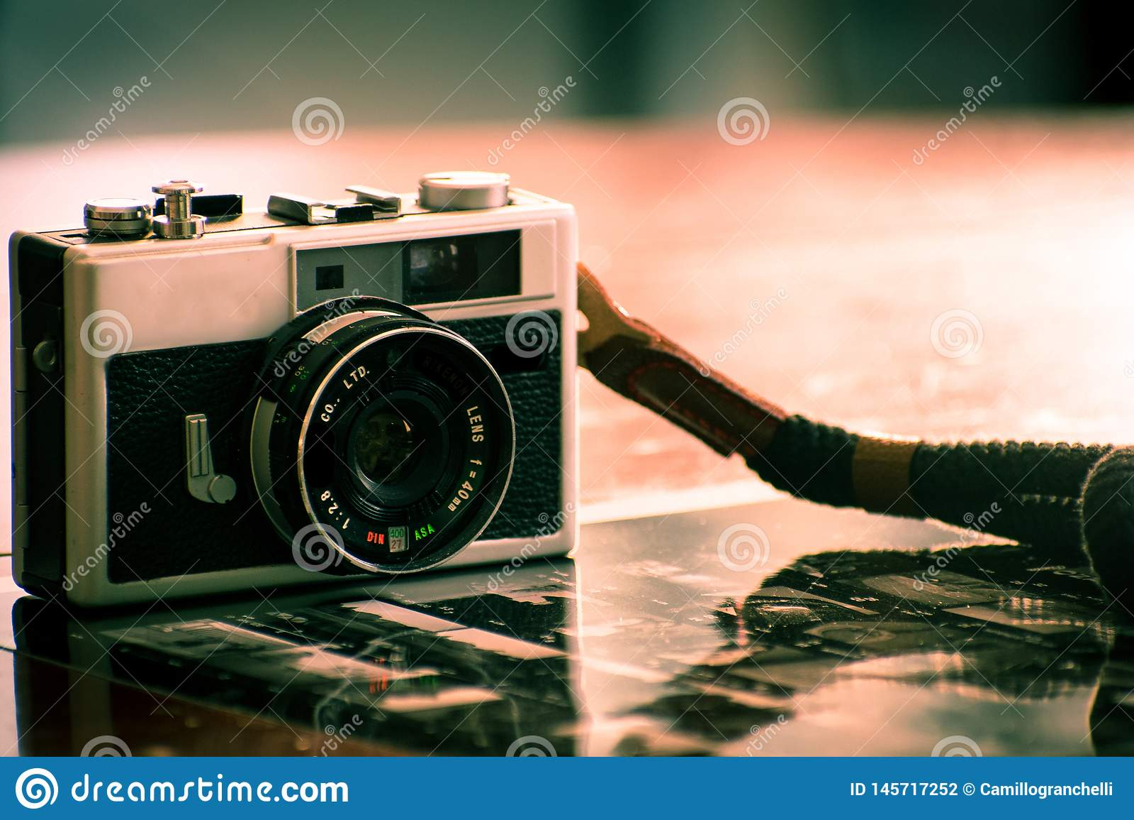 Caméra de cru pour la photographie analogue de film