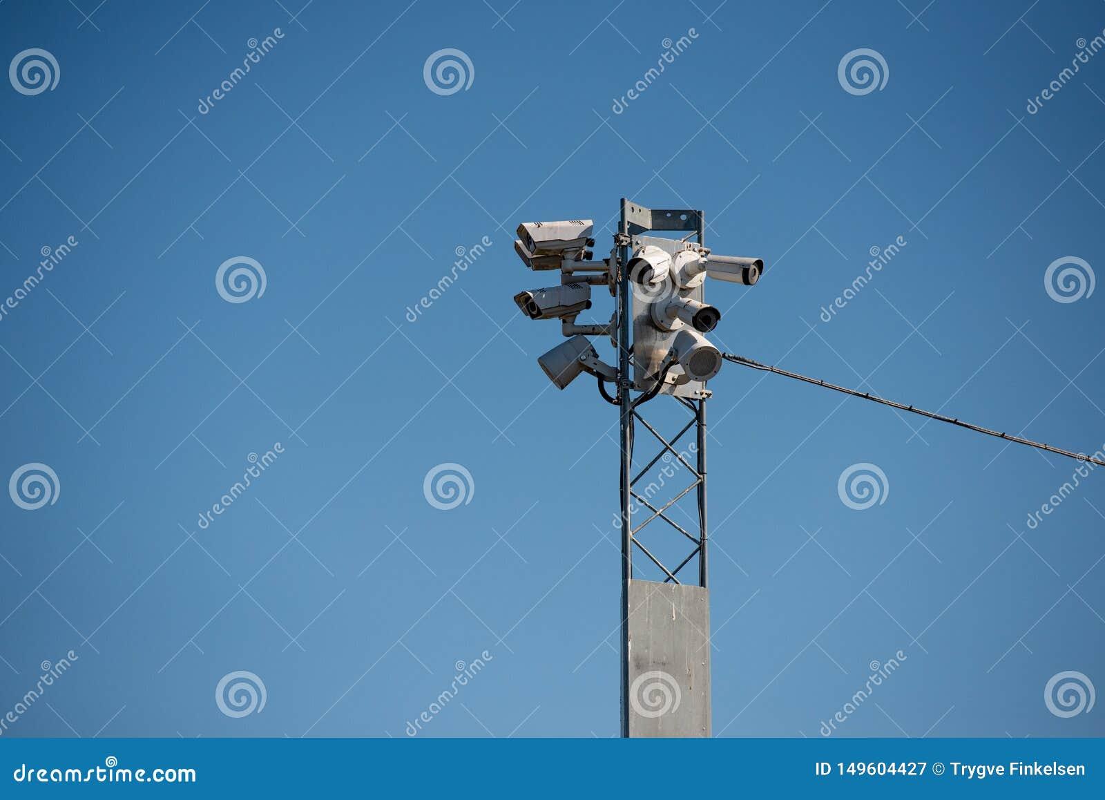 Cam?ras de Surveilance sur un pyl?ne