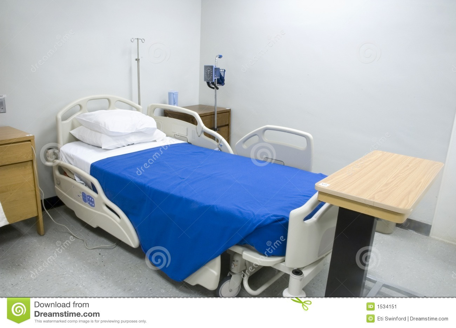 Cama de hospital 2 imagen de archivo imagen de cubierta for Cama abierta