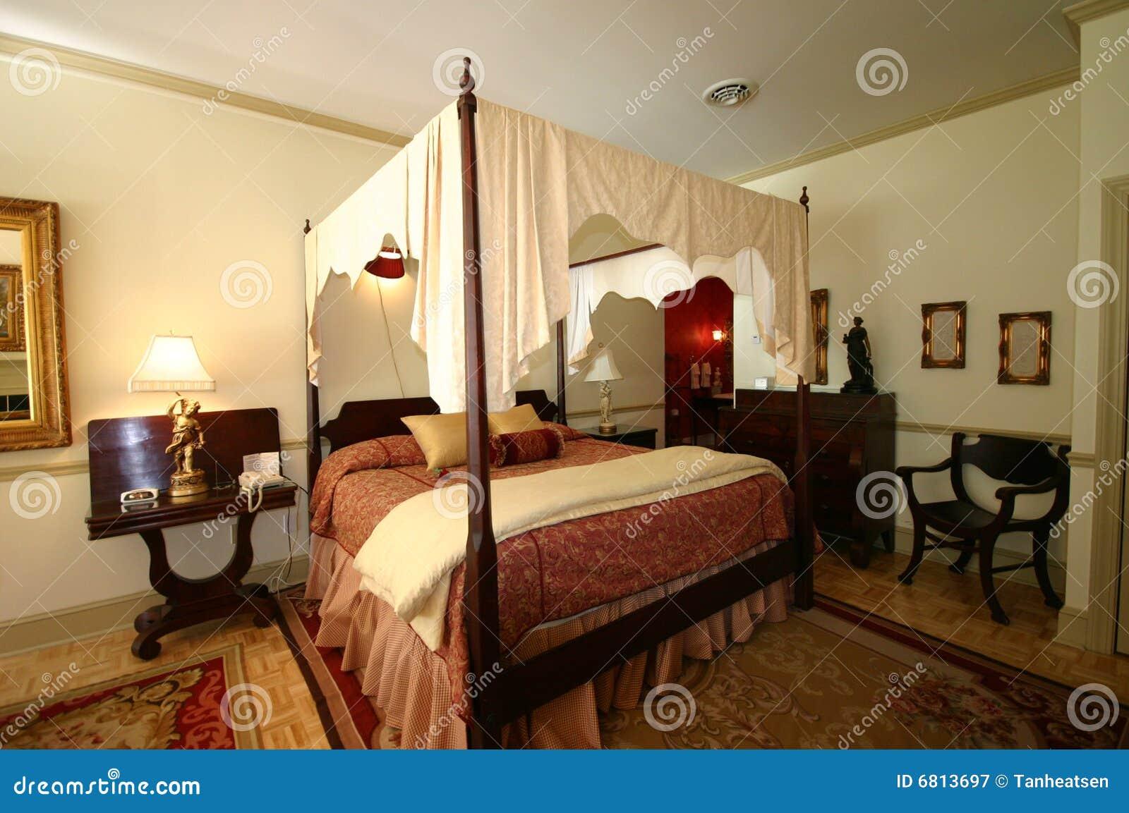 Cama lujosa de la cama imperial for Cama imperial
