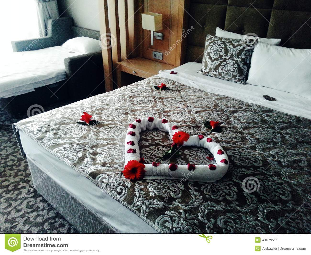 Cama Romántica Stock Images - 737 Photos