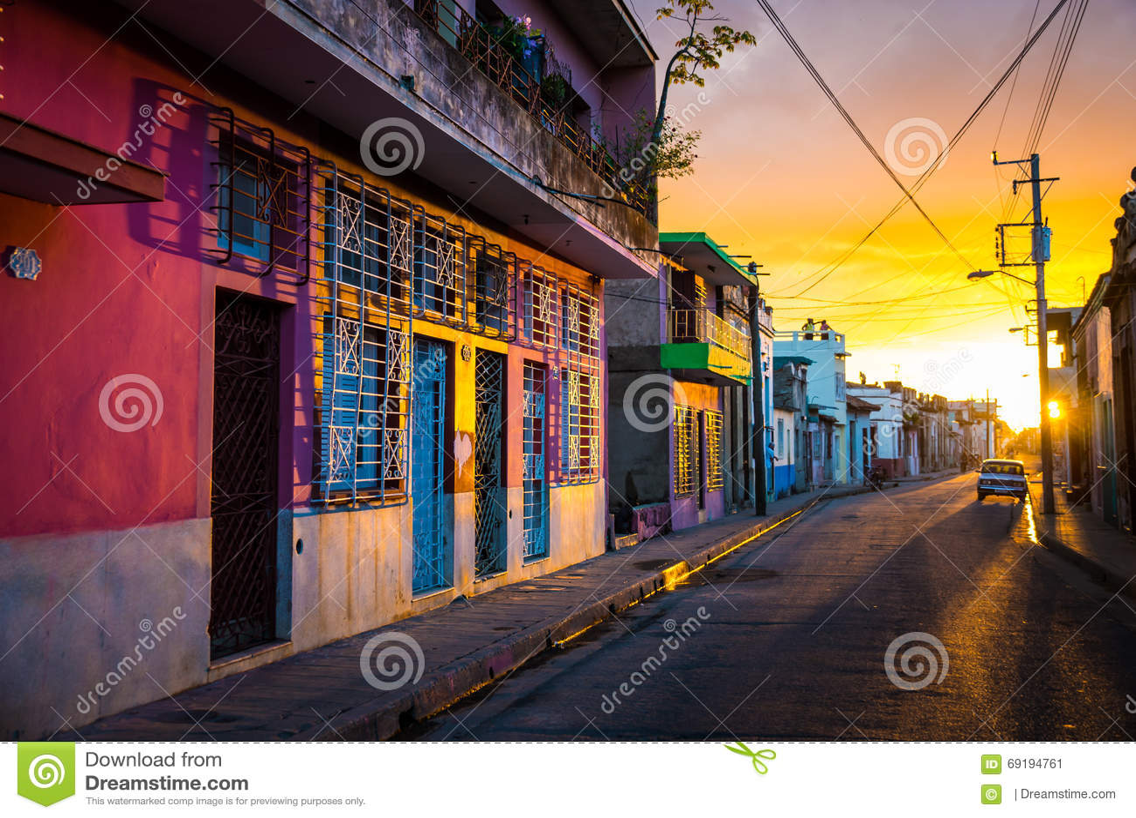 CAMAGUEY, KUBA - Straßenansicht des UNESCO-Erbstadtzentrums