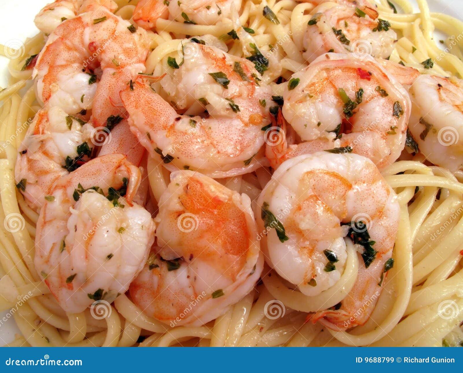 Camarón Scampi con Linguini