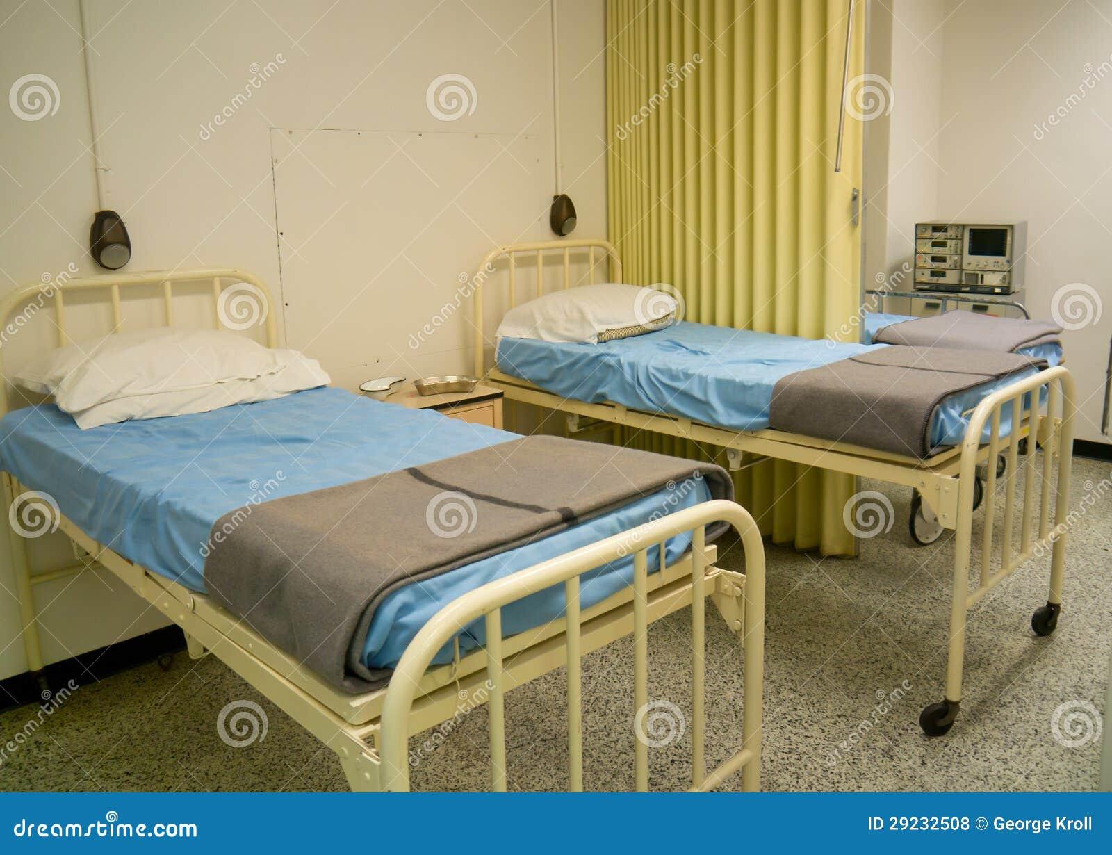 Download Camas De Hospital Militares Do Estilo Foto de Stock - Imagem de enfermaria, baía: 29232508
